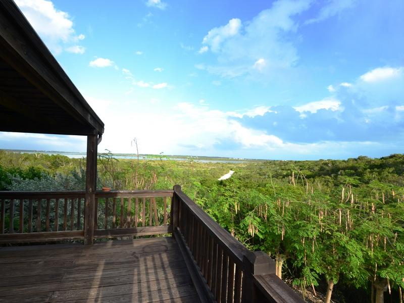 Casa para uma família para Venda às Cedar House Turtle Tail, Providenciales Turks E Caicos