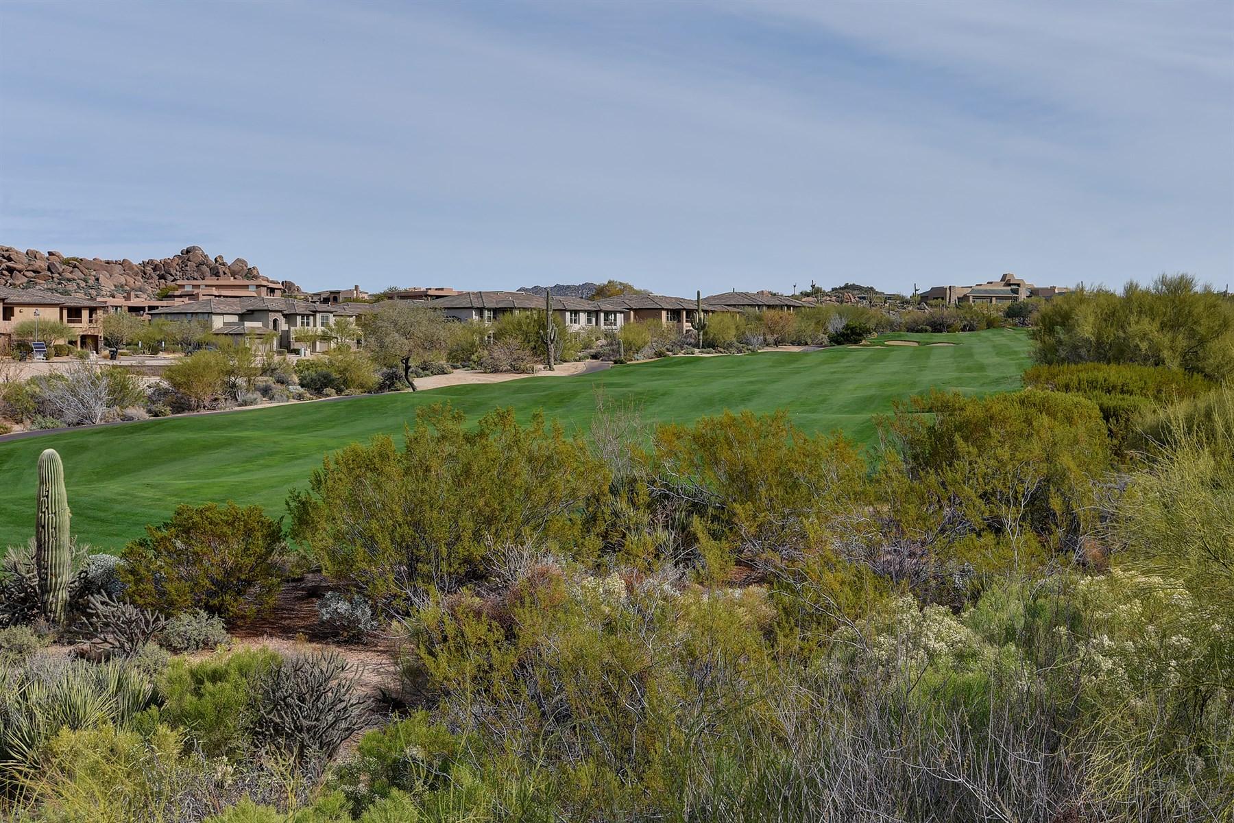 Villetta a schiera per Vendita alle ore Townhome With Exceptional Troon North Golf Course Views 28523 N 101st Way Scottsdale, Arizona 85262 Stati Uniti