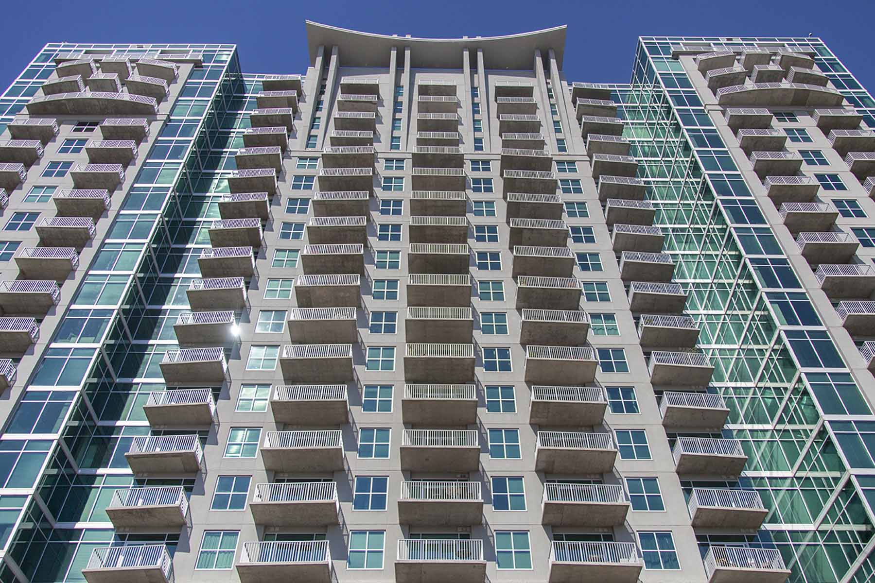 Piso por un Venta en True 11 Floor Plan with Downtown Views. 250 Pharr Road No. 915 Atlanta, Georgia, 30305 Estados Unidos