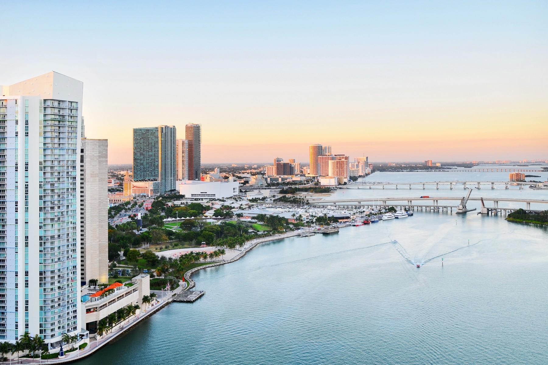 Eigentumswohnung für Verkauf beim 848 Brickell Key Dr #3301 Miami, Florida 33131 Vereinigte Staaten
