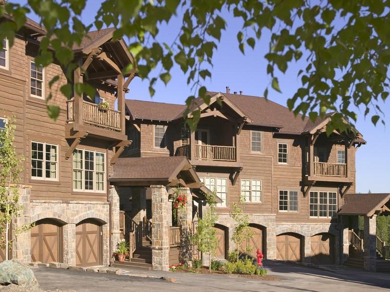 Casa Unifamiliar Adosada por un Venta en Slopeside 141 Slopeside Whitefish, Montana 59937 Estados Unidos