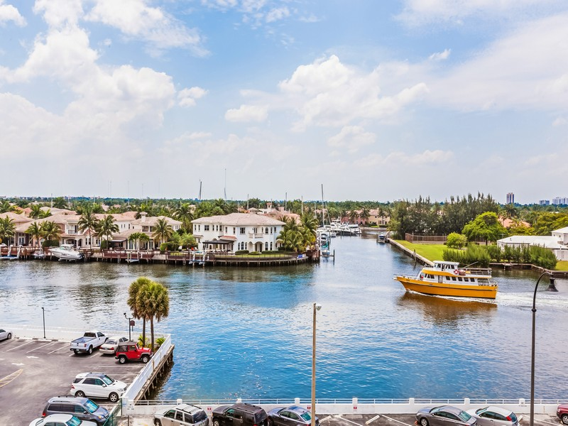 Apartamento por un Venta en 1401 S Ocean Dr #601 Hollywood, Florida 33019 Estados Unidos