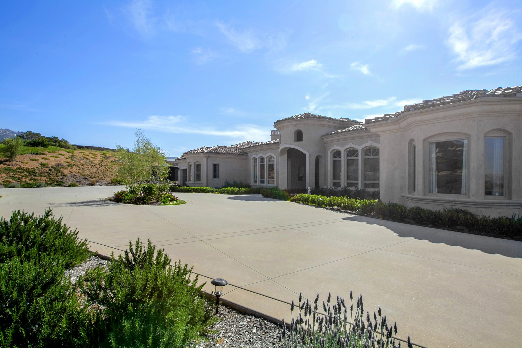 Single Family Home for Sale at 18605 Old Coach Drive Poway, California 92064 United States