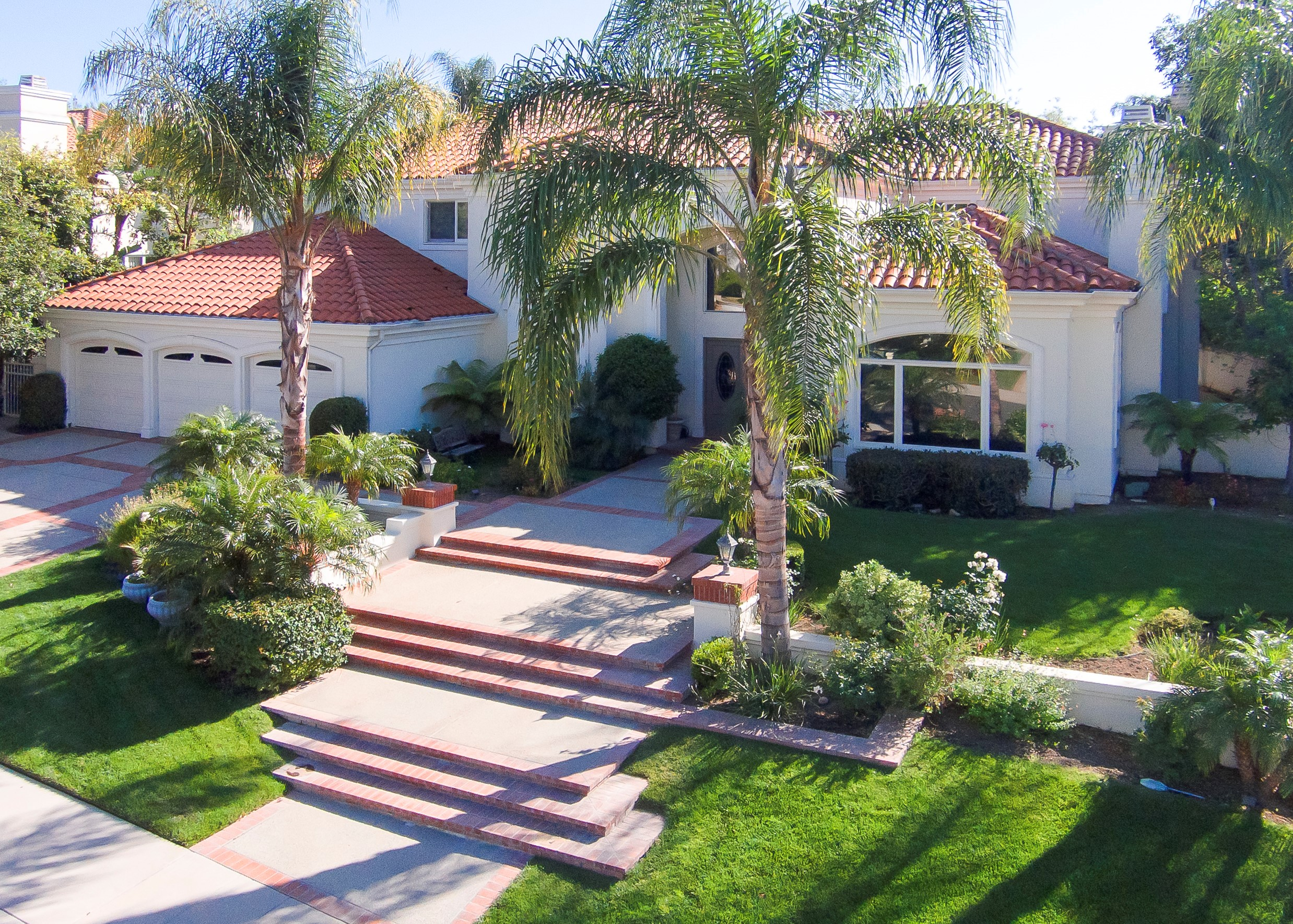 Single Family Home for Sale at 52724 Simpson Place 25724 Simpson Place Calabasas, California 91302 United States
