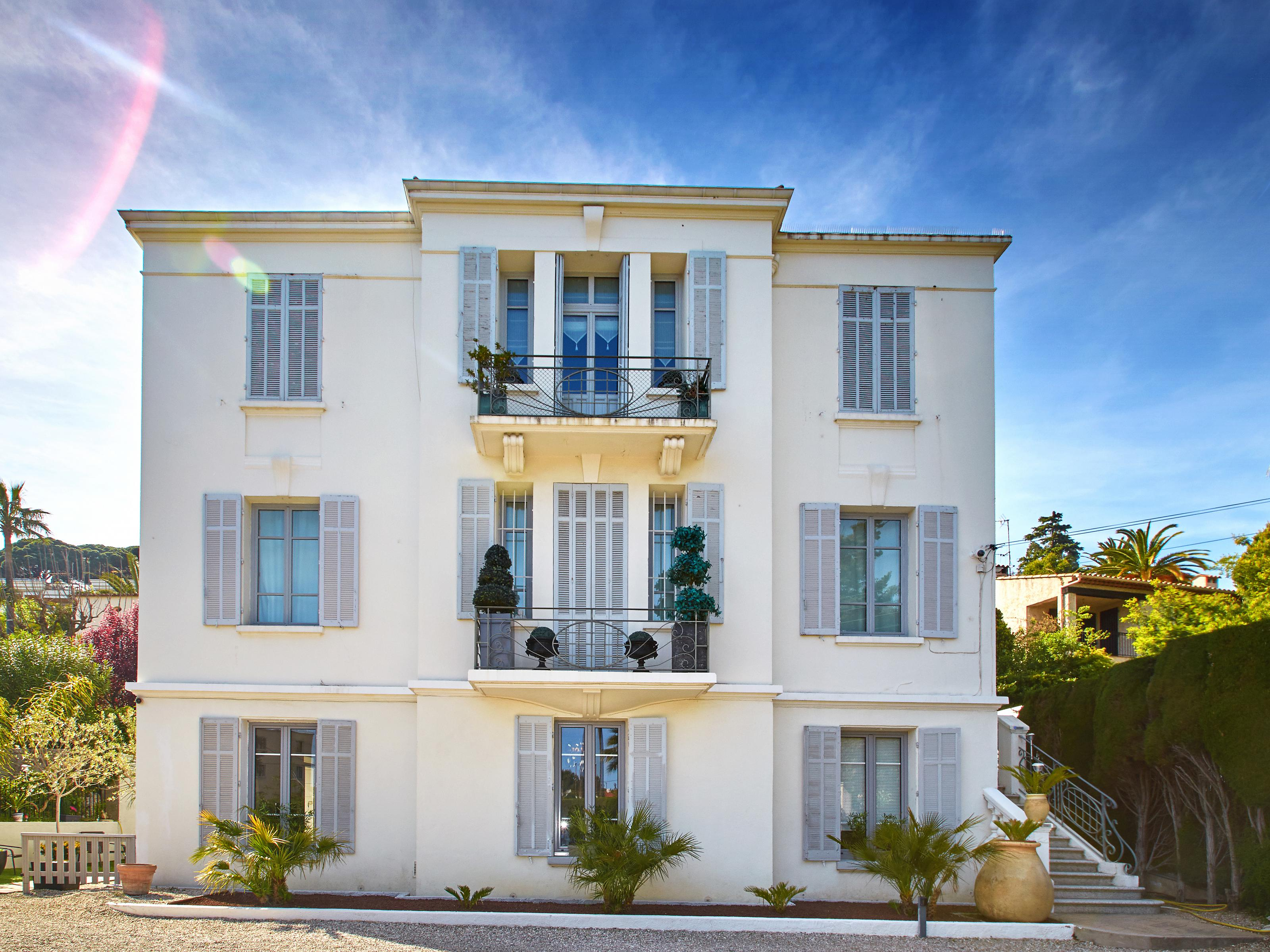 Apartamento para Venda às Apartment in Cannes 3 min walk to beach Cannes, Provença-Alpes-Costa Azul 06400 França