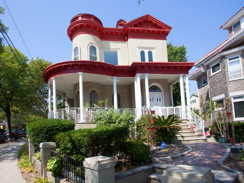多戶家庭房屋 為 出售 在 Victorian Gem with Breathtaking NYC Views 755 Boulevard East Weehawken, 新澤西州 07086 美國