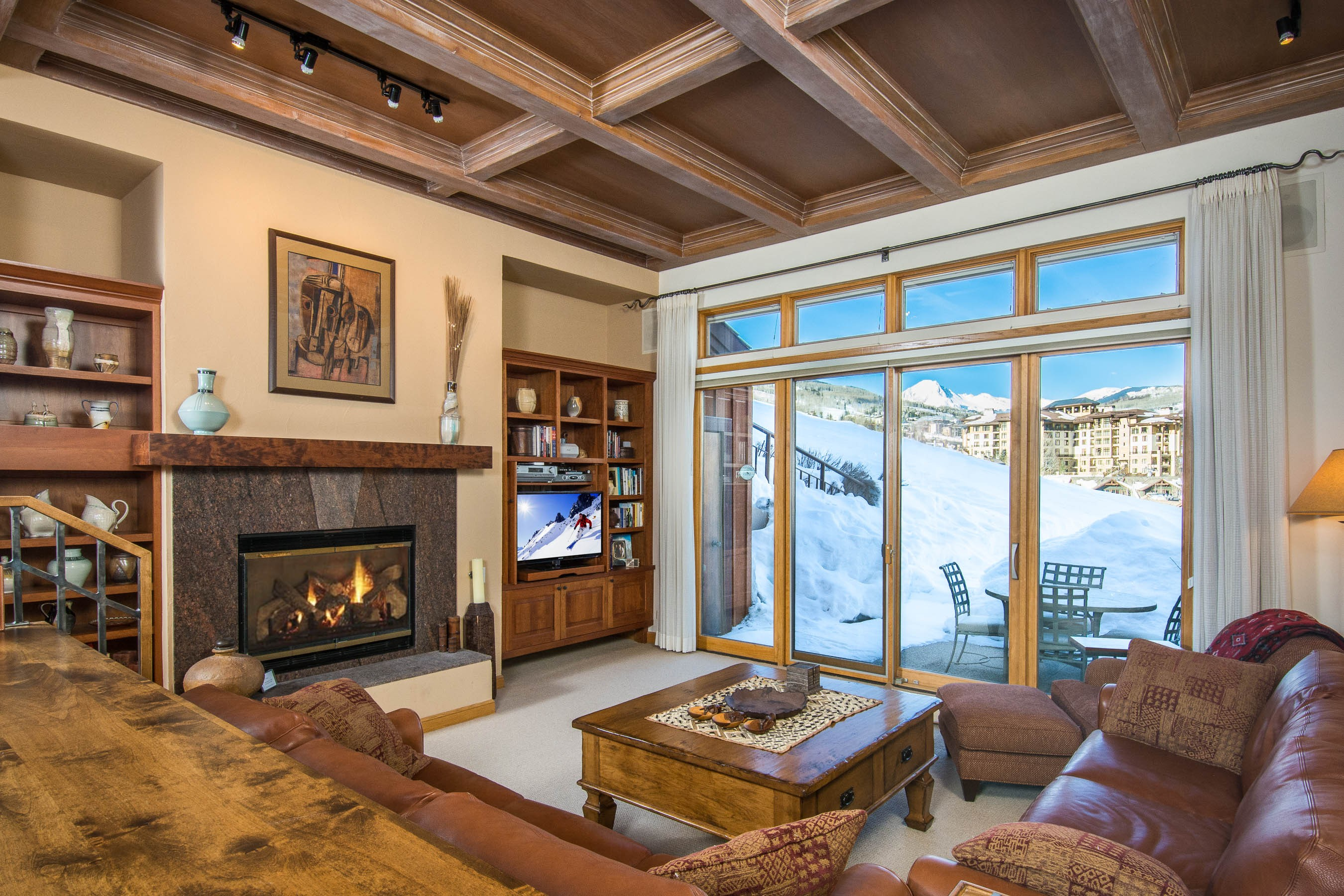 Condomínio para Venda às Spacious 3 Bedroom Ski Retreat 770 Ridge Road Unit 5 Snowmass Village, Colorado, 81615 Estados Unidos