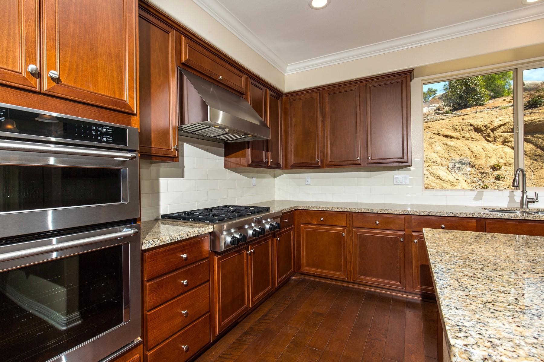 Additional photo for property listing at 2058 Ingamac Way  El Cajon, California 92019 Estados Unidos