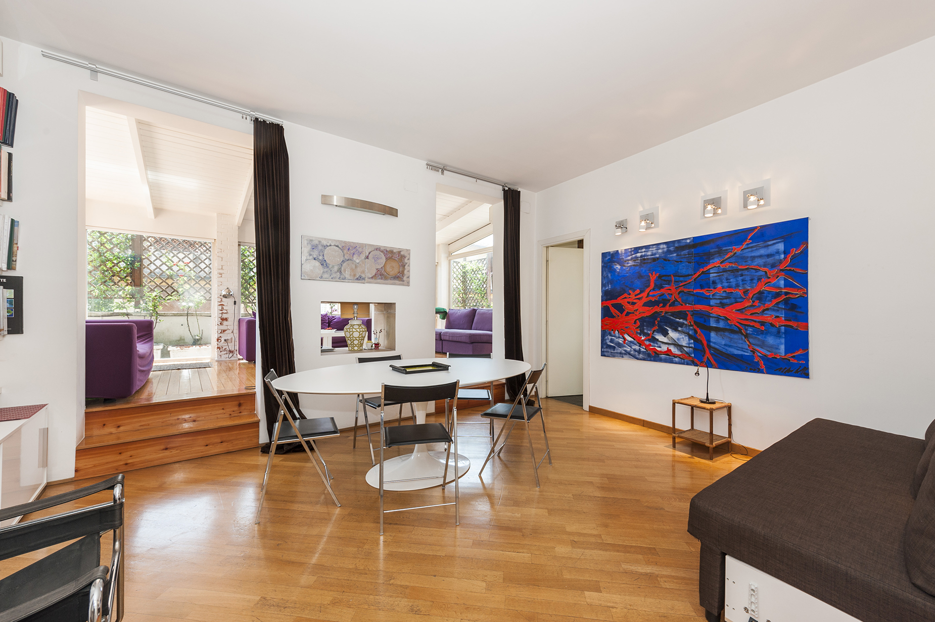 Additional photo for property listing at Bright penthouse with terrace modernly renovated Rome, Rome Italy
