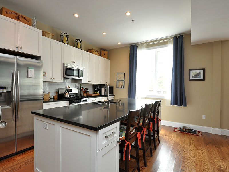 Condominium for Sale at South Boston Condominium 376 West Broadway Unit 10 South Boston, Boston, Massachusetts 02127 United States