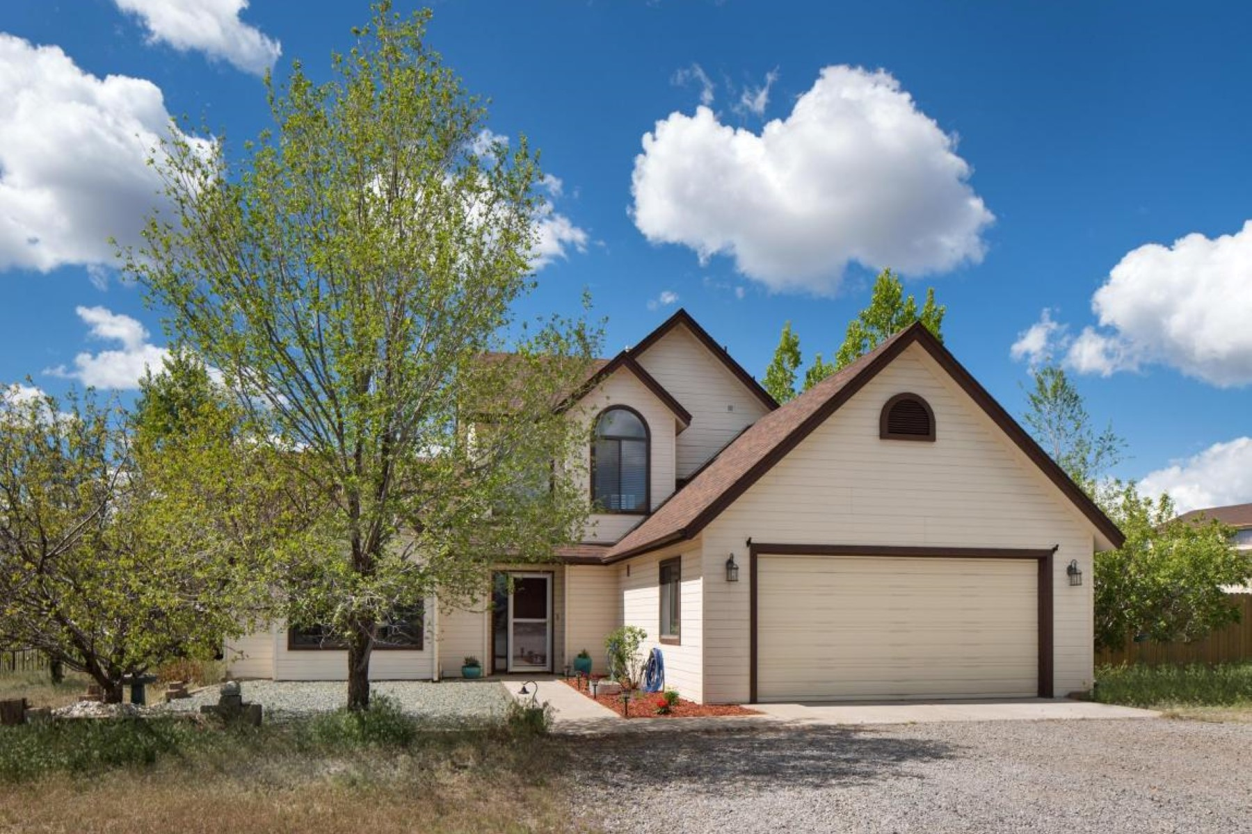 Single Family Home for Sale at Meticulously maintained Flagstaff home 7170 E Yancey Ln Flagstaff, Arizona, 86004 United States