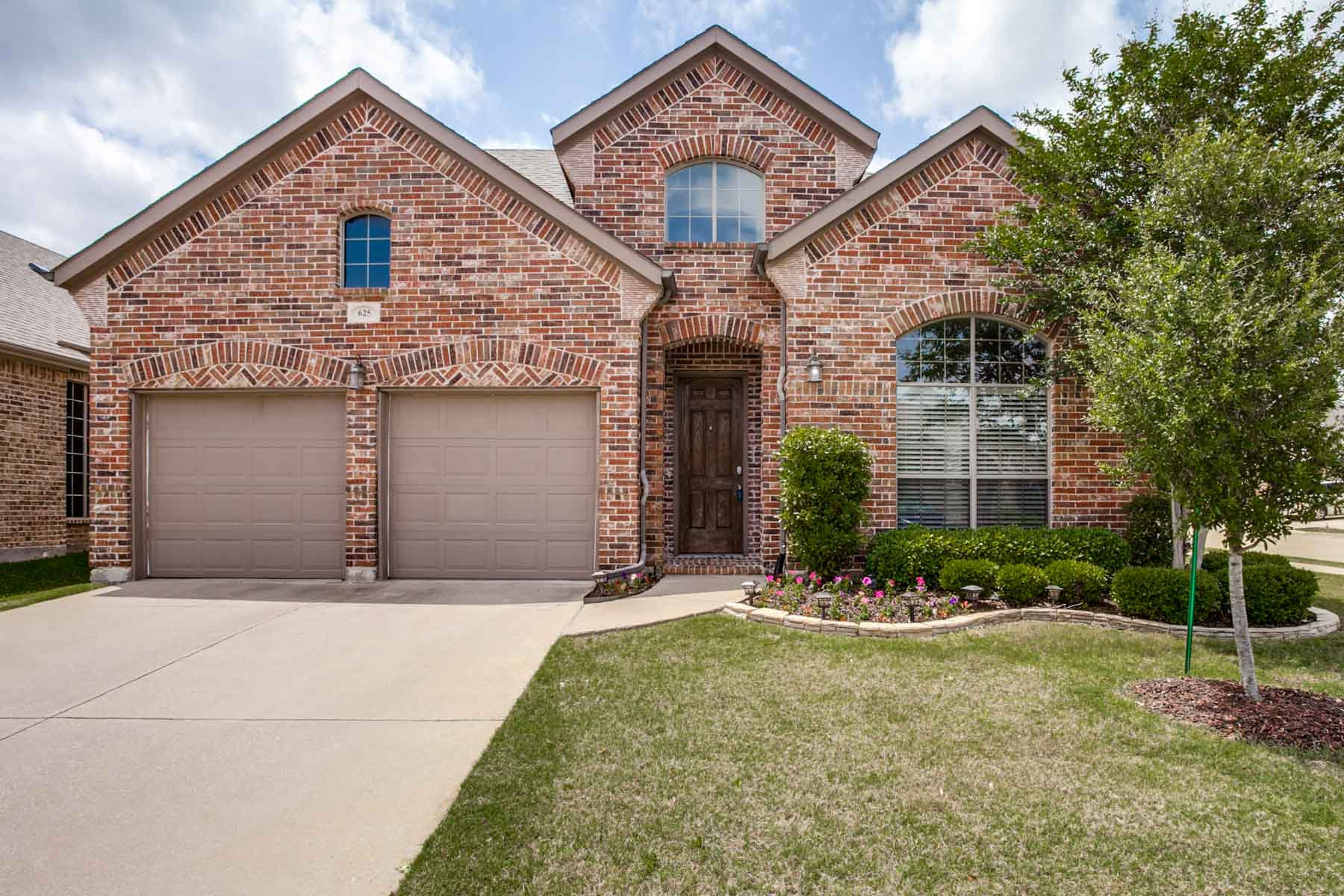 sales property at Welcoming Woodcreek Home