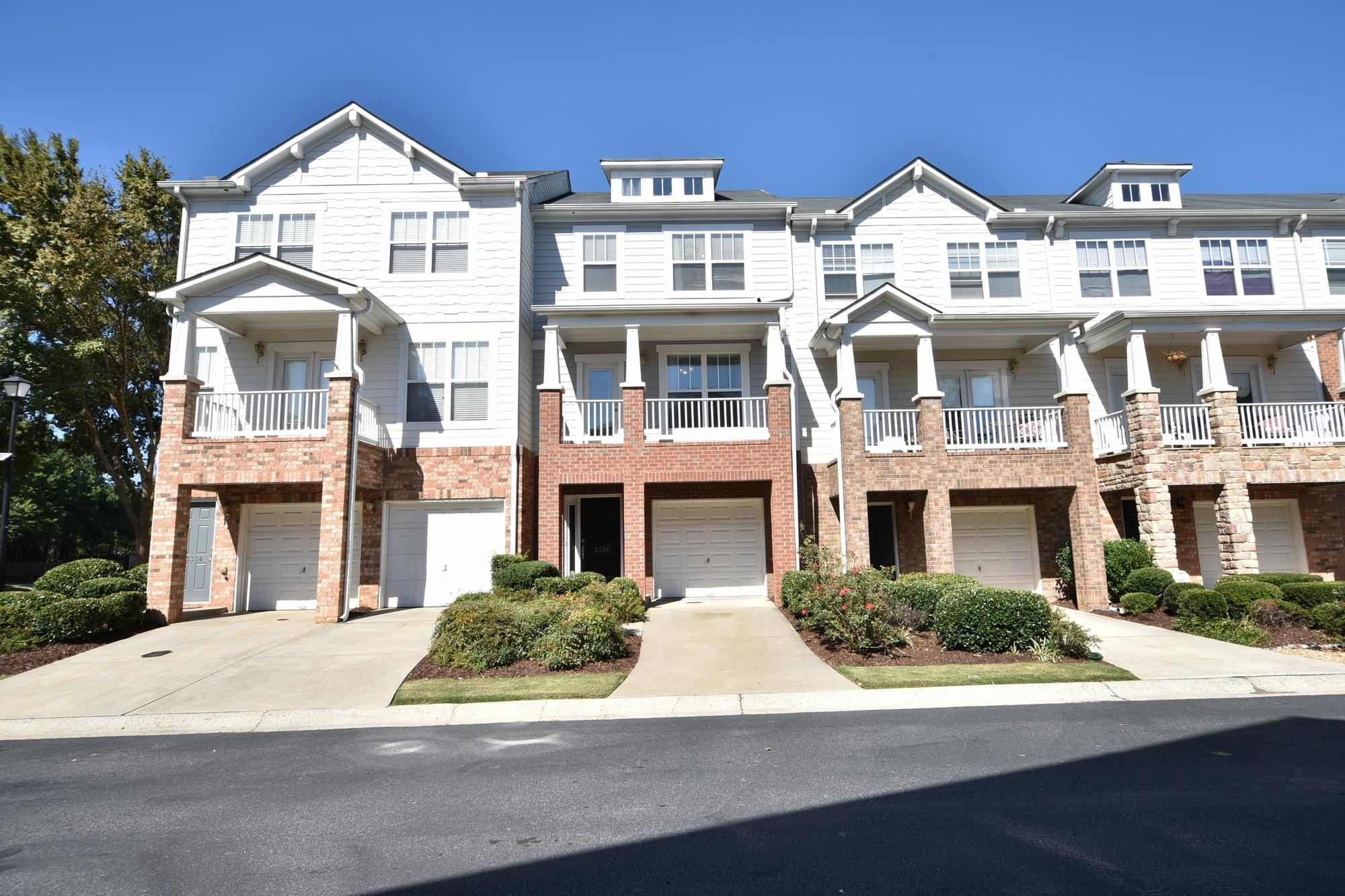 タウンハウス のために 売買 アット Move-In Ready in Wyndham 3356 Galleon Drive Alpharetta, ジョージア 30004 アメリカ合衆国