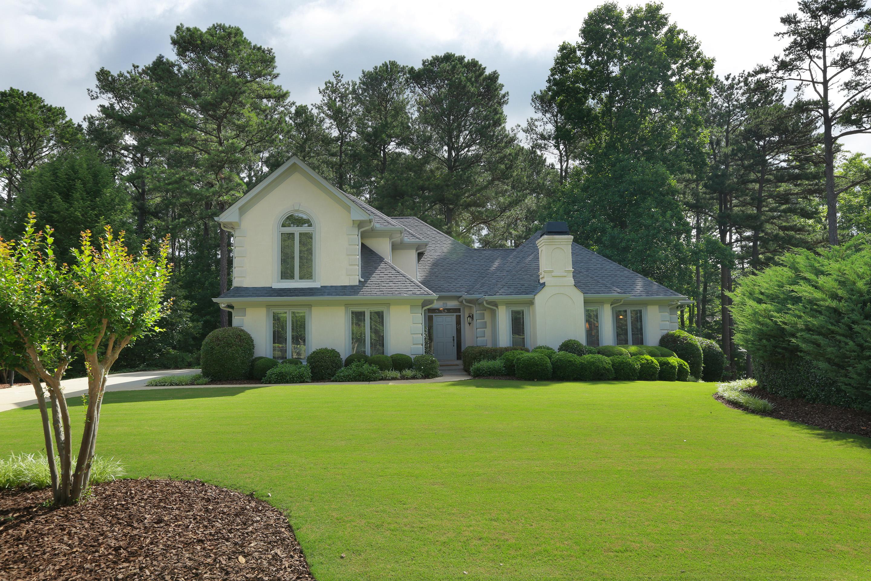 独户住宅 为 销售 在 Fabulous Open Floor Plan 3320 Lakewind Way Alpharetta, 乔治亚州 30005 美国