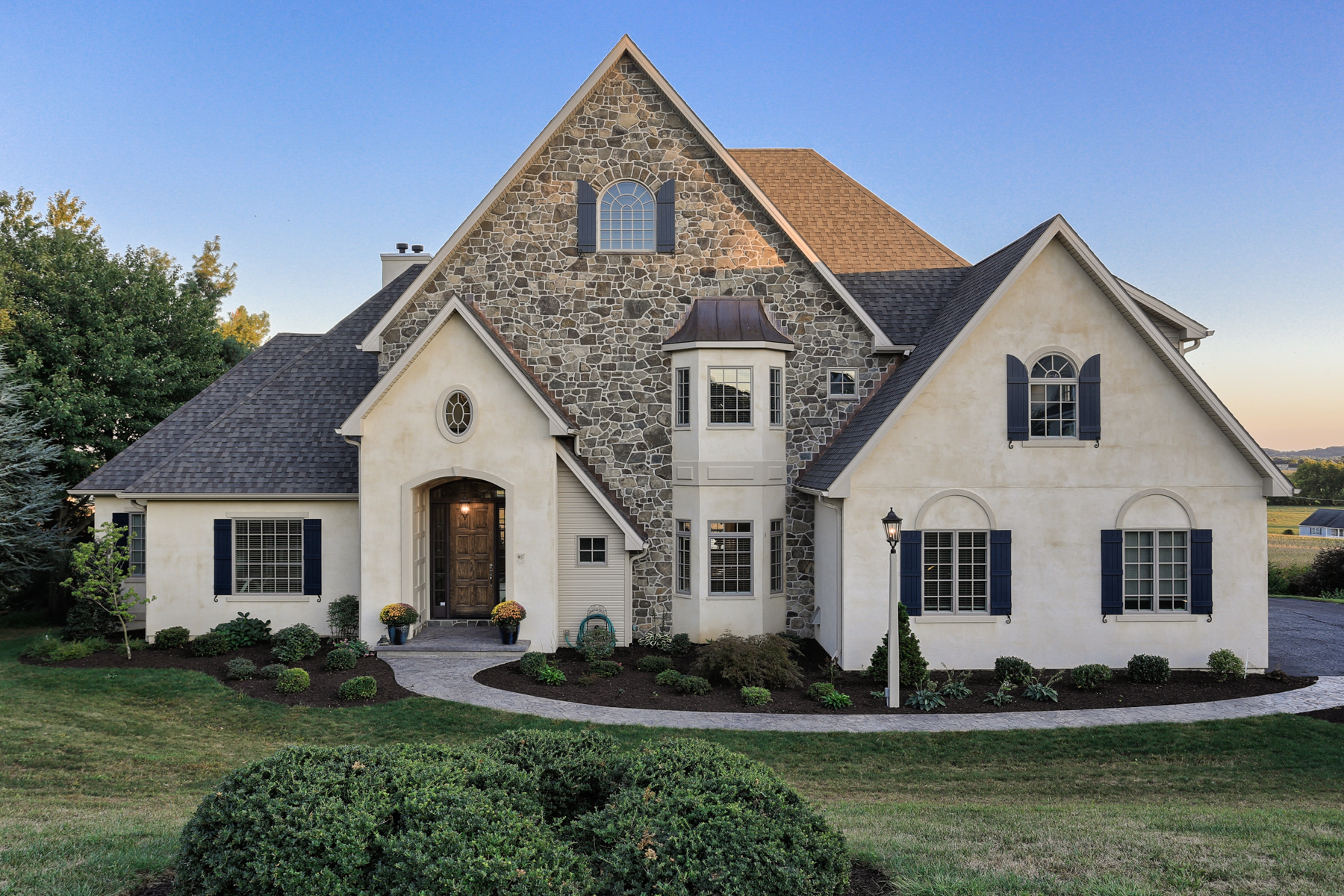 Single Family Home for Sale at Buckwood Hills 9 Oakwood Lane Lititz, Pennsylvania 17543 United States