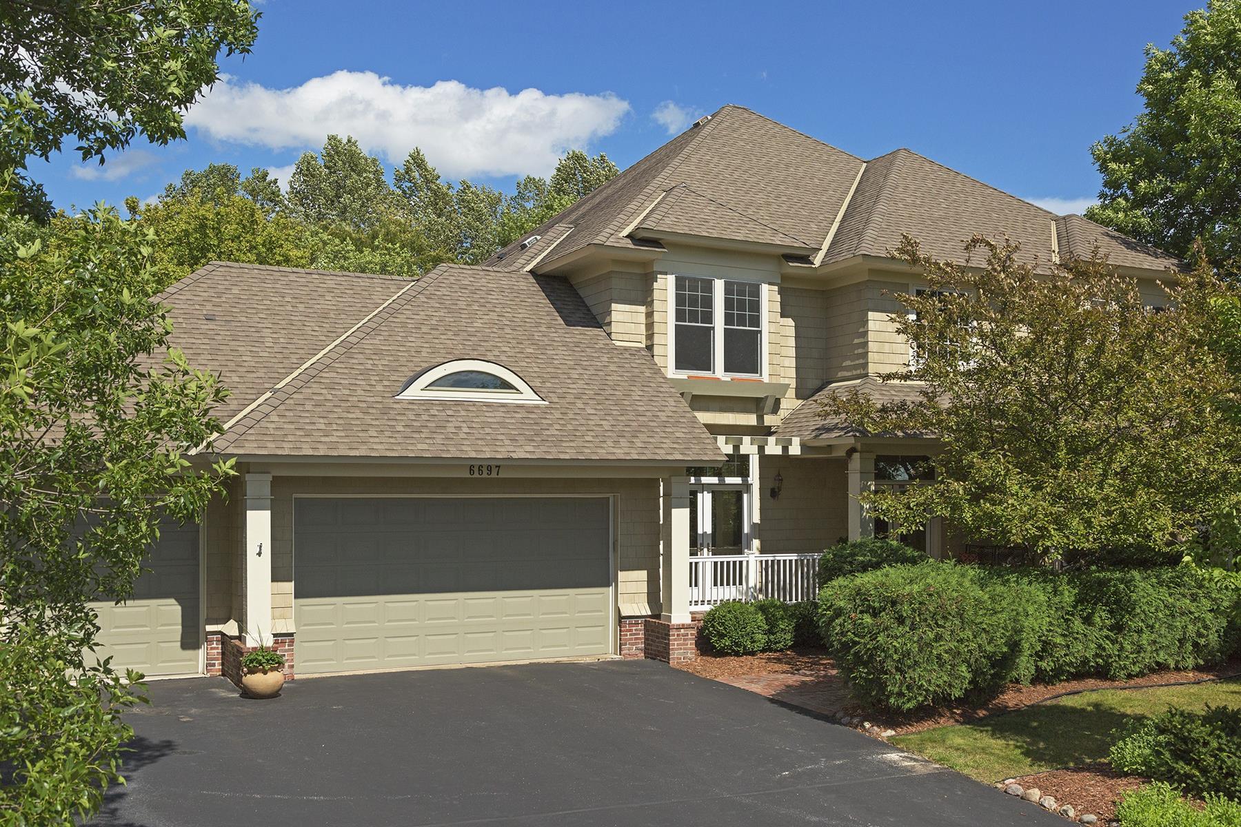 Casa Unifamiliar por un Venta en 6697 Pointe Lake Lucy Chanhassen, Minnesota, 55317 Estados Unidos