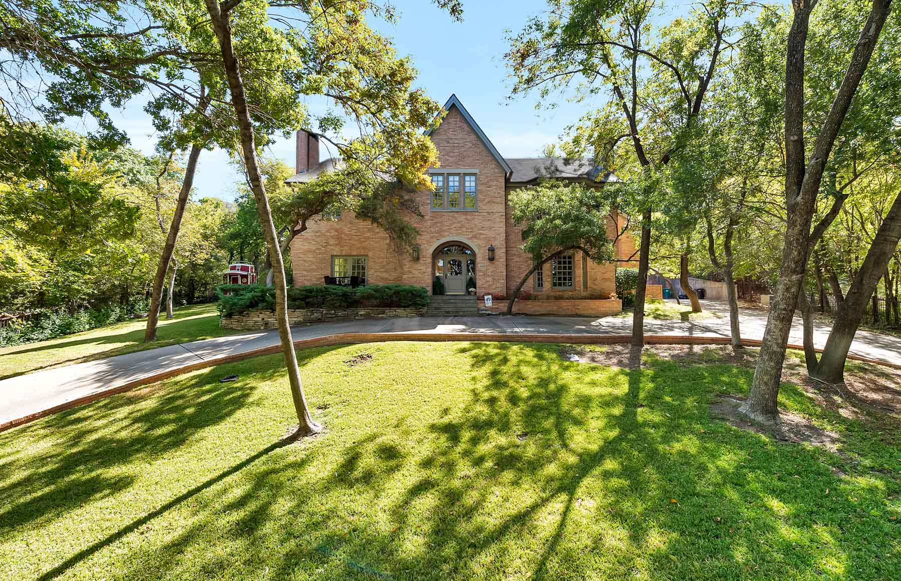 Moradia para Venda às Beautiful Traditional Near Rivercrest 4707 Hidden Lane Fort Worth, Texas 76107 Estados Unidos