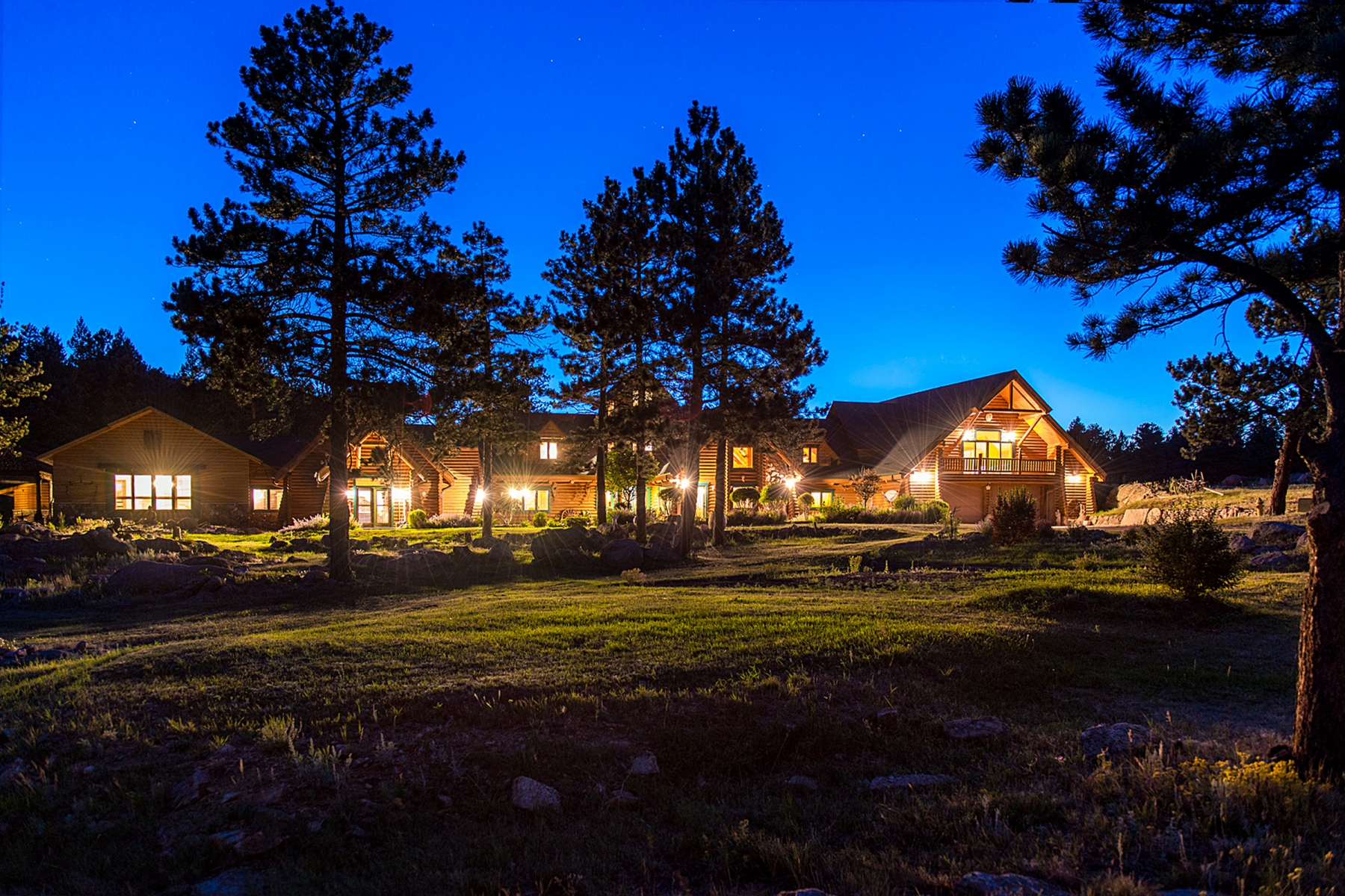 Single Family Home for Active at Mountain Luxury Log Home 1260 Twin Sisters Rd Nederland, Colorado 80466 United States