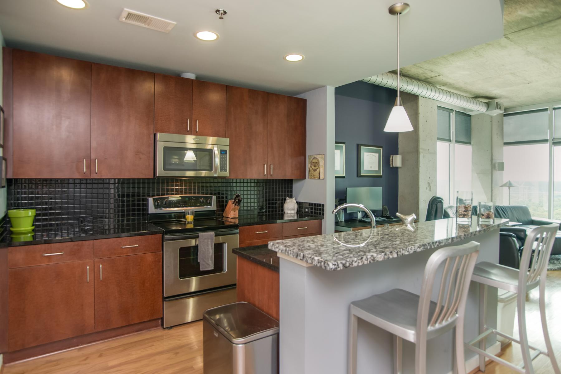 Condominium for Sale at Gorgeous One Bedroom Buckhead Condo 250 Pharr Road NE #1711 Atlanta, Georgia 30305 United States