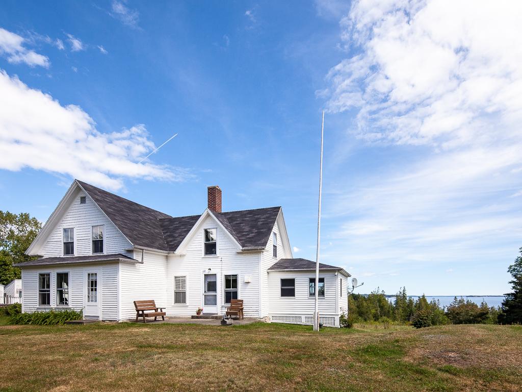Vivienda unifamiliar por un Venta en 689 Main Road Islesboro, Maine 04848 Estados Unidos