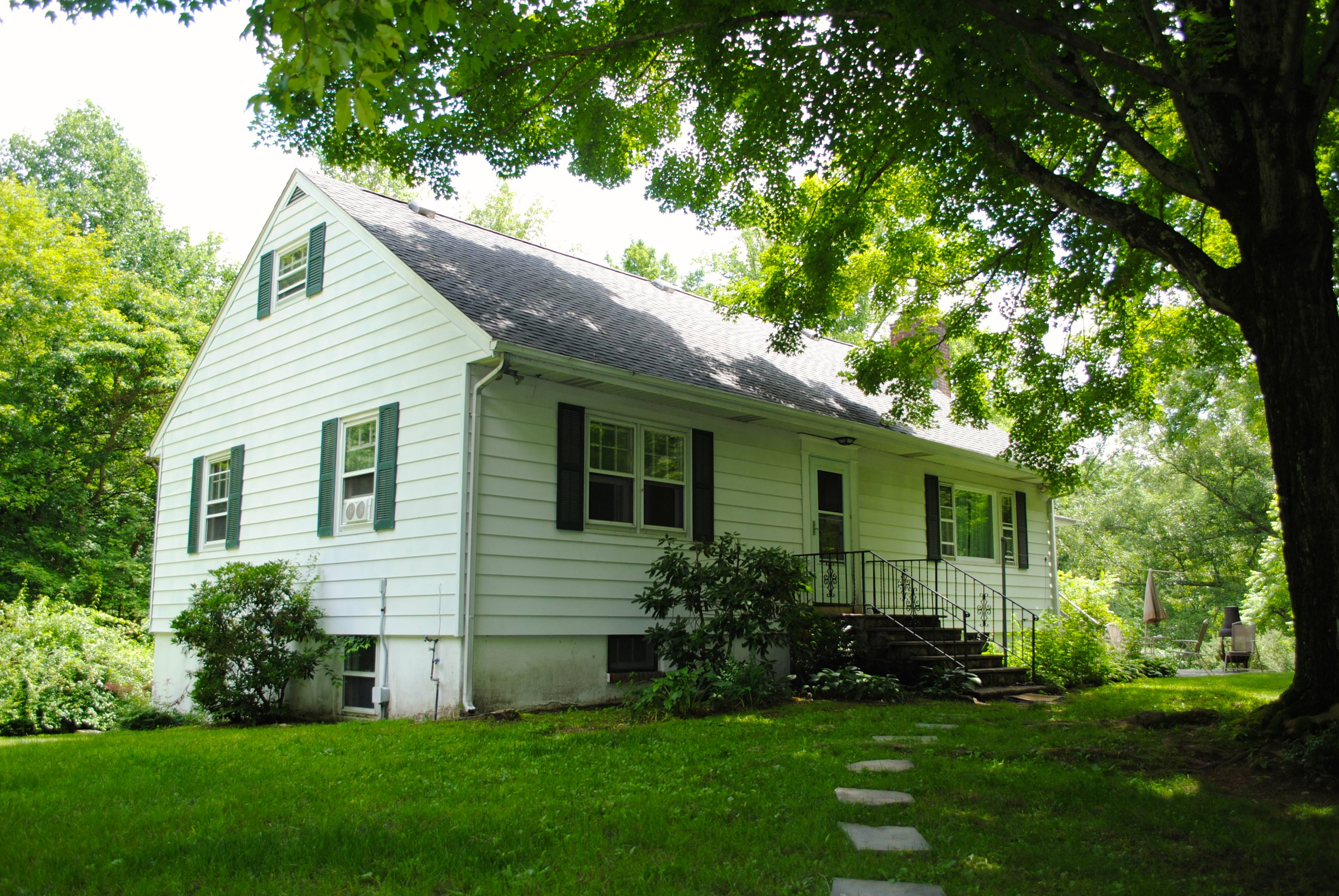 Single Family Home for Sale at Country Charmer 36 Seifert Lane Putnam Valley, New York 10579 United States