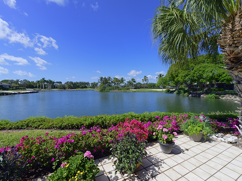 Maison de ville pour l Vente à Lakefront Townhome at Ocean Reef 51 Lakeside Lane Ocean Reef Community, Key Largo, Florida 33037 États-Unis