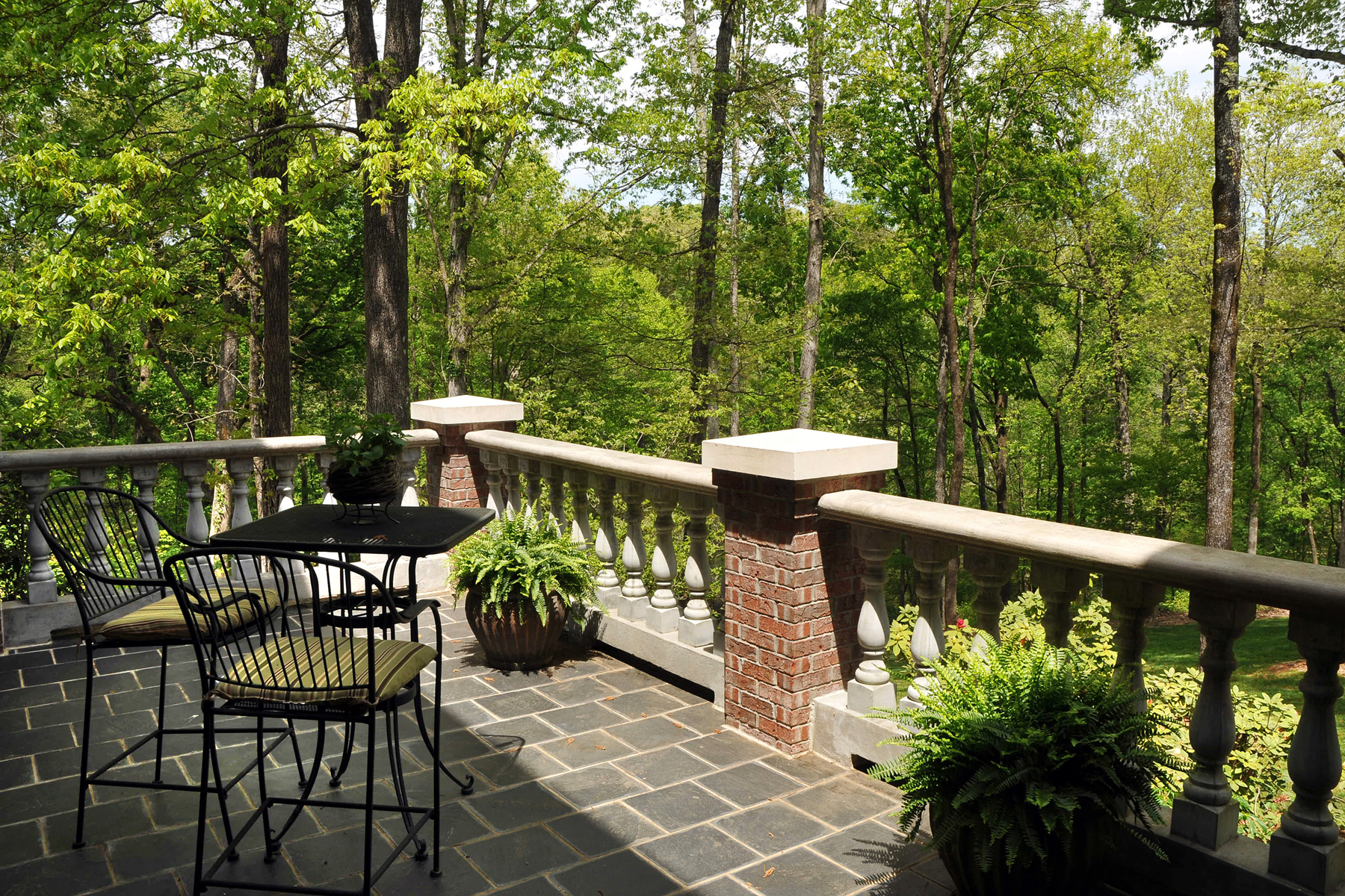 Additional photo for property listing at Glorious European Estate In Gwinnett County 4527 Shiloh Ridge Trail Snellville, Georgië 30039 Verenigde Staten