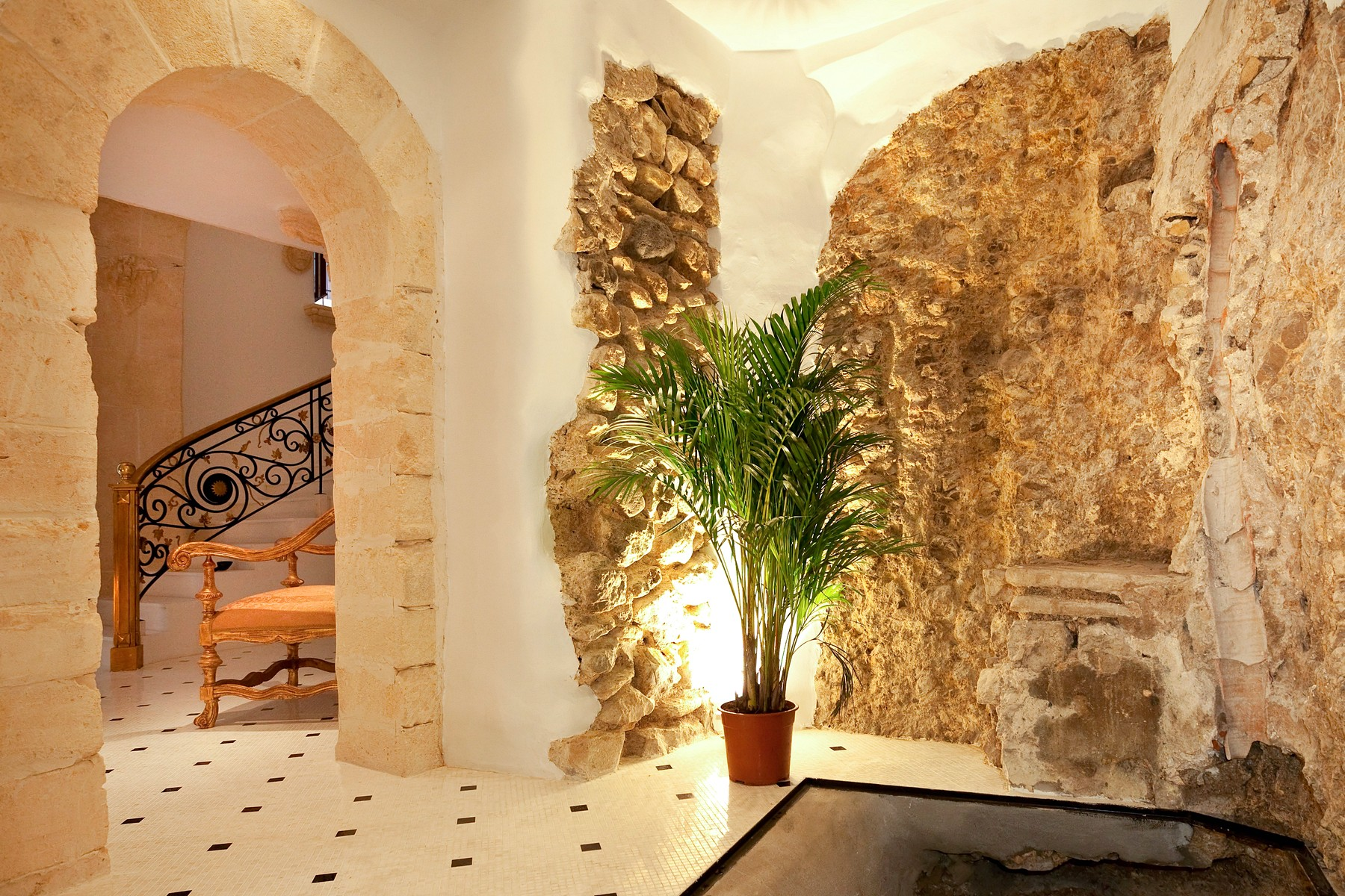 Property Of Extraordinary Palace In The Heart Of Dalt Vila