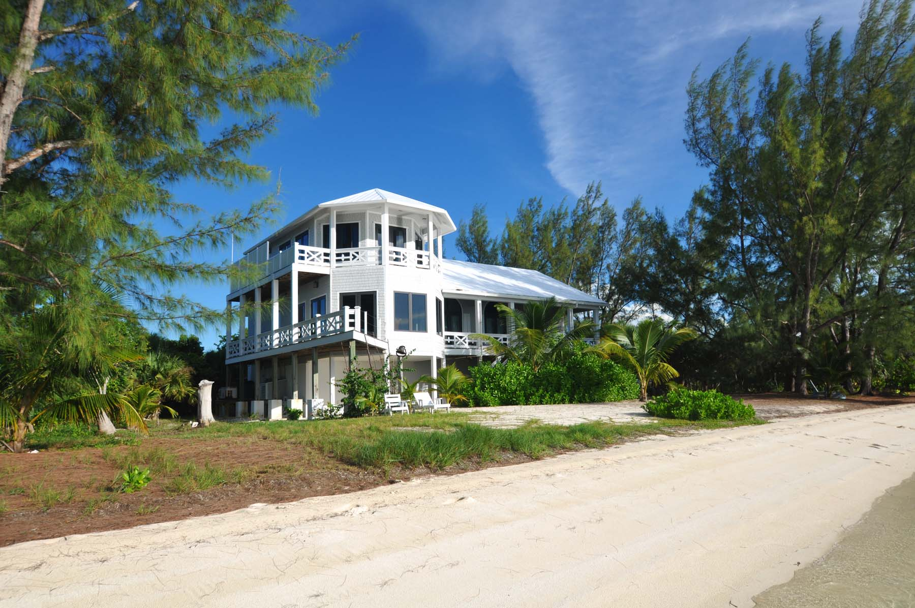 Single Family Home for Sale at Creme De La Coco Green Turtle Cay, Abaco, Bahamas