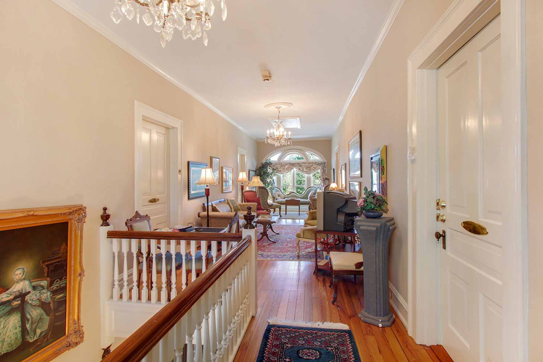 Additional photo for property listing at Enchanting Historic Home in Barnesville 643 Greenwood Street Barnesville, ジョージア 30204 アメリカ合衆国