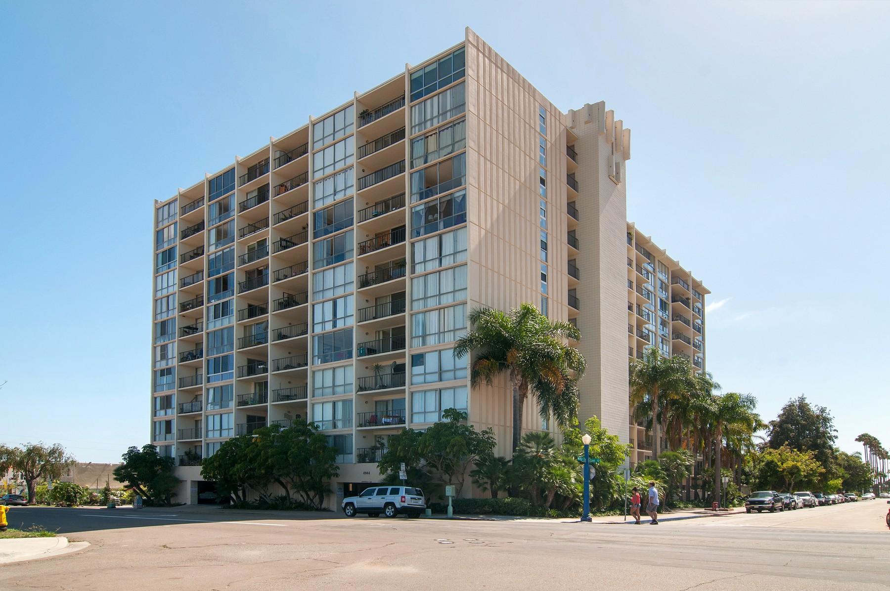 Condominio per Vendita alle ore 4944 Cass Street 1205 San Diego, California 92109 Stati Uniti