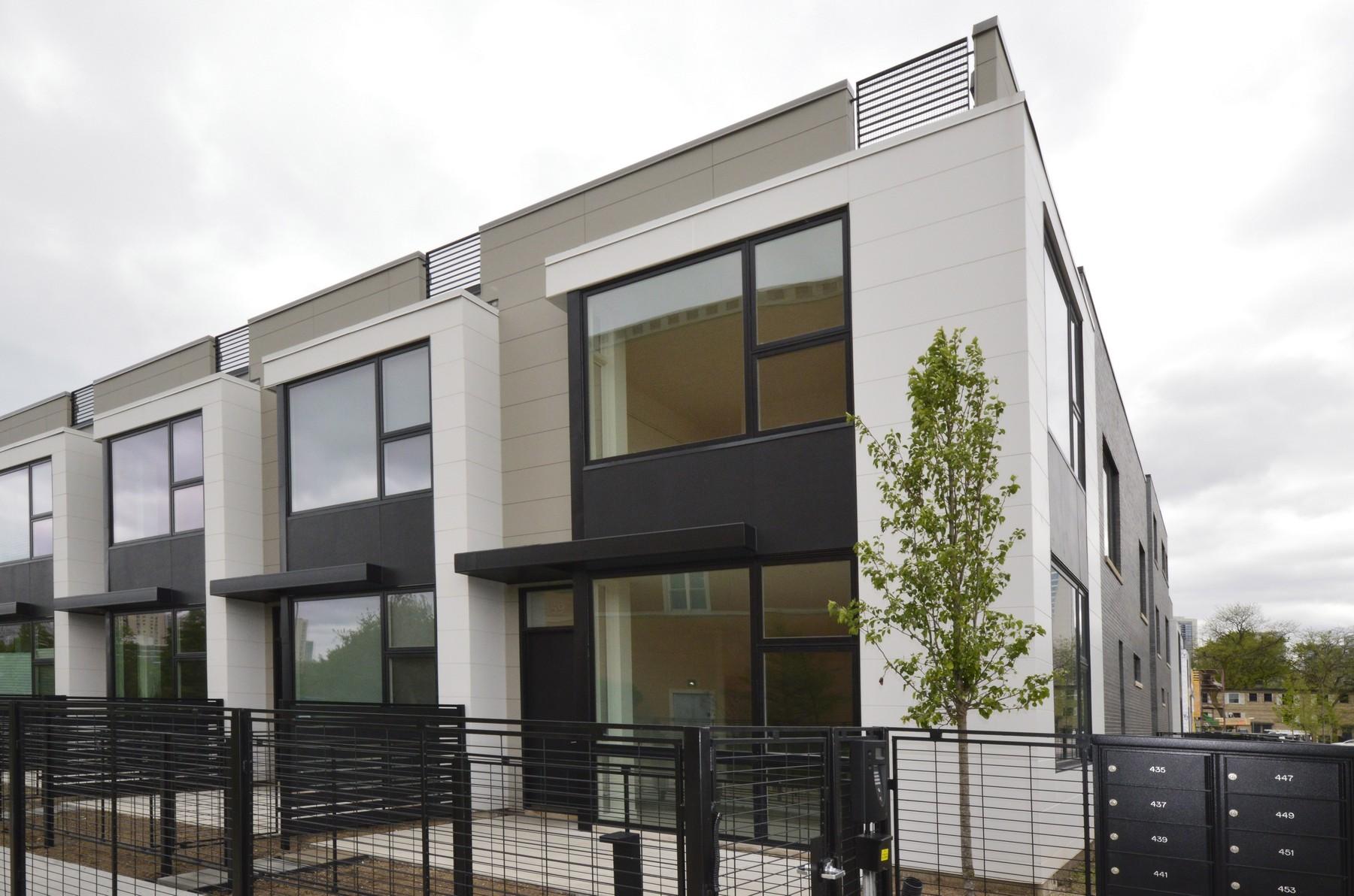 타운하우스 용 매매 에 Live Luxuriously 459 W Hobbie Street Near North Side, Chicago, 일리노이즈, 60610 미국