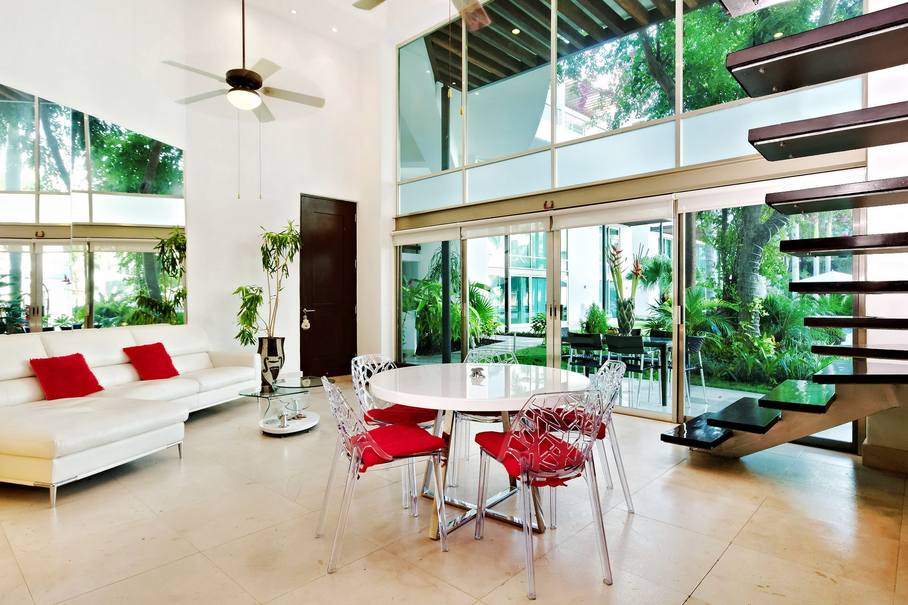 Căn hộ vì Bán tại UNIQUE 3 BEDROOM LOFT Via 38 apartment 5th Avenue North & 38th Street Playa Del Carmen, Quintana Roo, 77710 Mexico