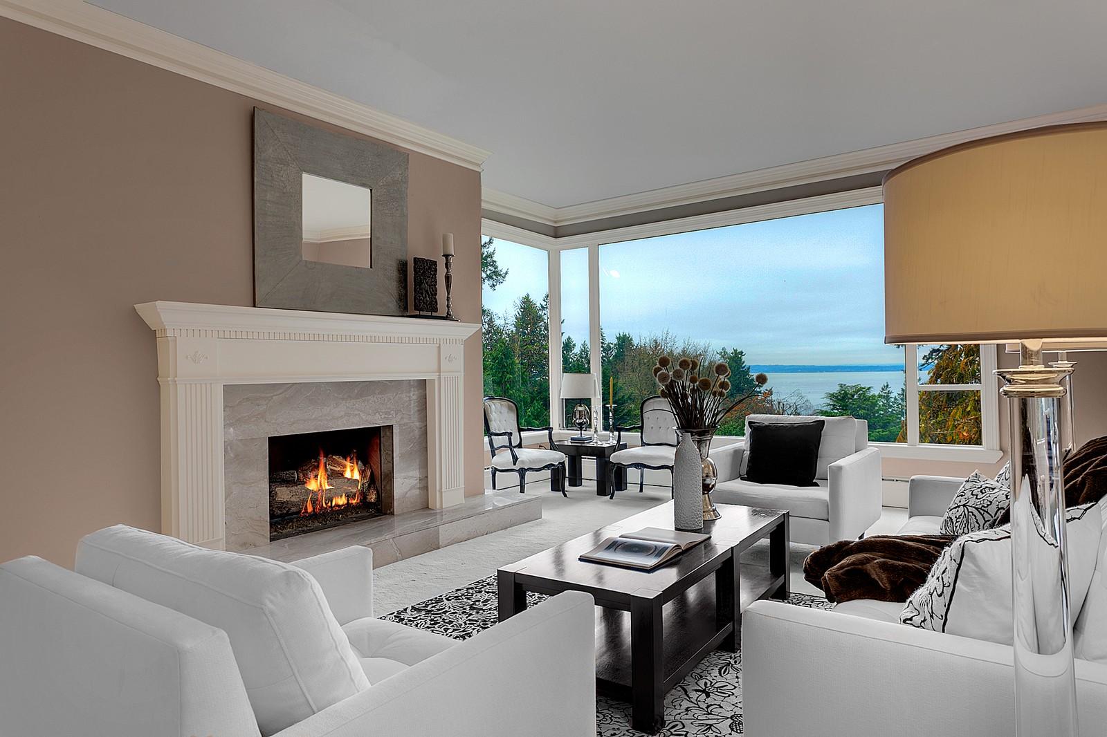 단독 가정 주택 용 매매 에 Traditional Highlands Home 12 Olympic Dr NW The Highlands, Seattle, 워싱톤, 98177 미국