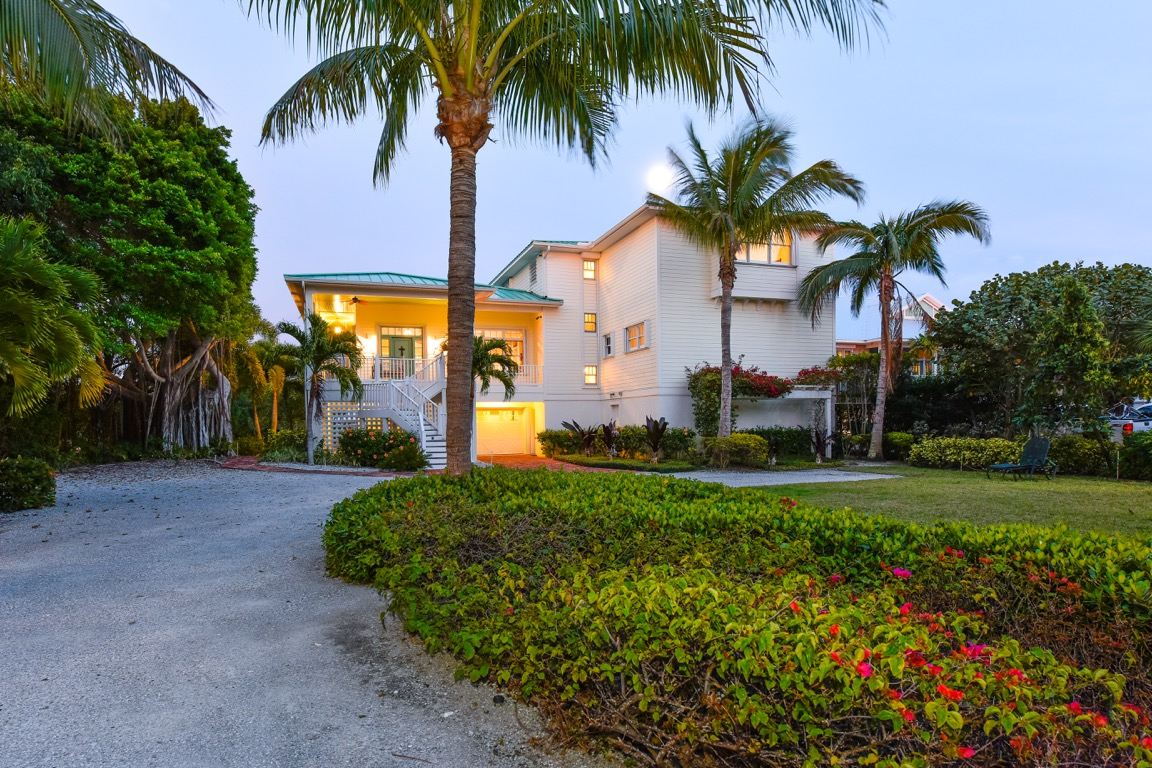 Maison unifamiliale pour l Vente à 6 Peekins Cove Dr 6 Peekins Cove Dr. Boca Grande, Florida, 33921 États-Unis