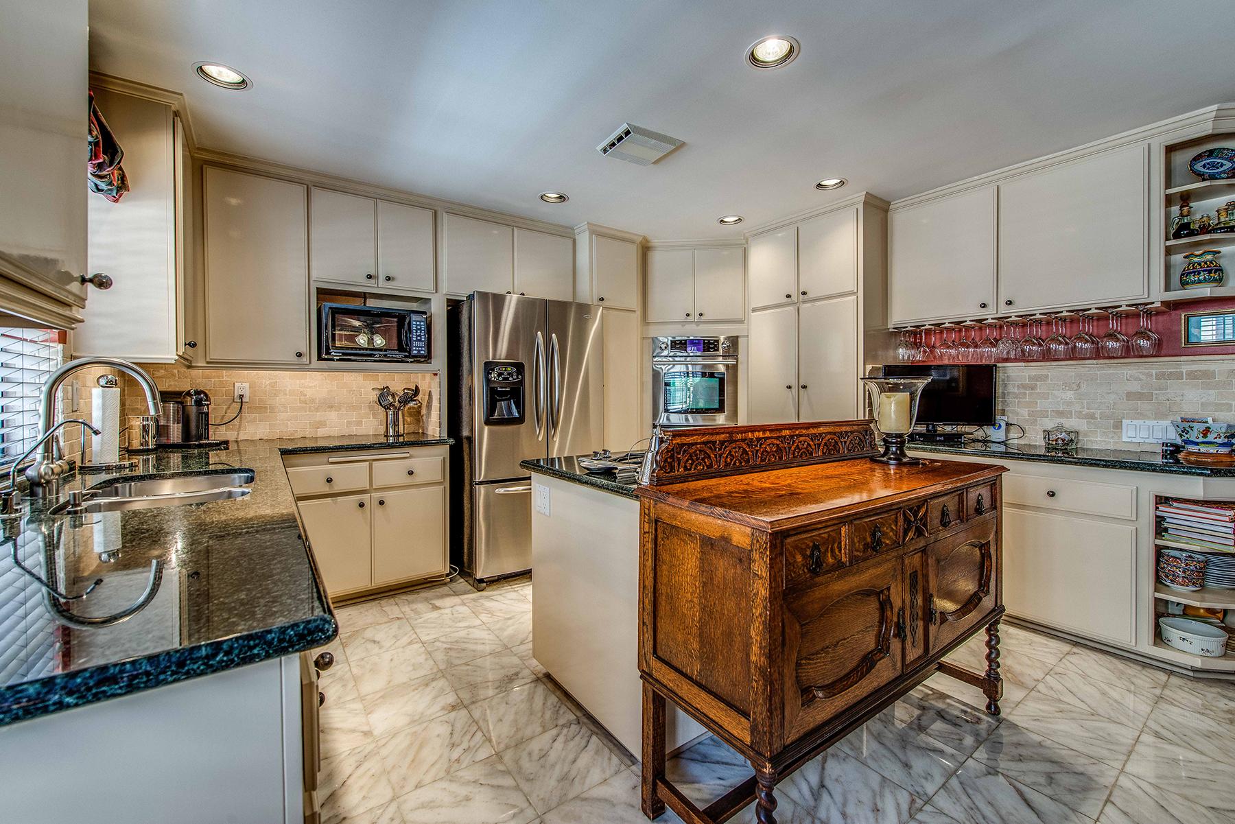 Appartement en copropriété pour l Vente à 815 West 15th St. #5C 815 West 15th Street #5C Newport Beach, Californie 92663 États-Unis