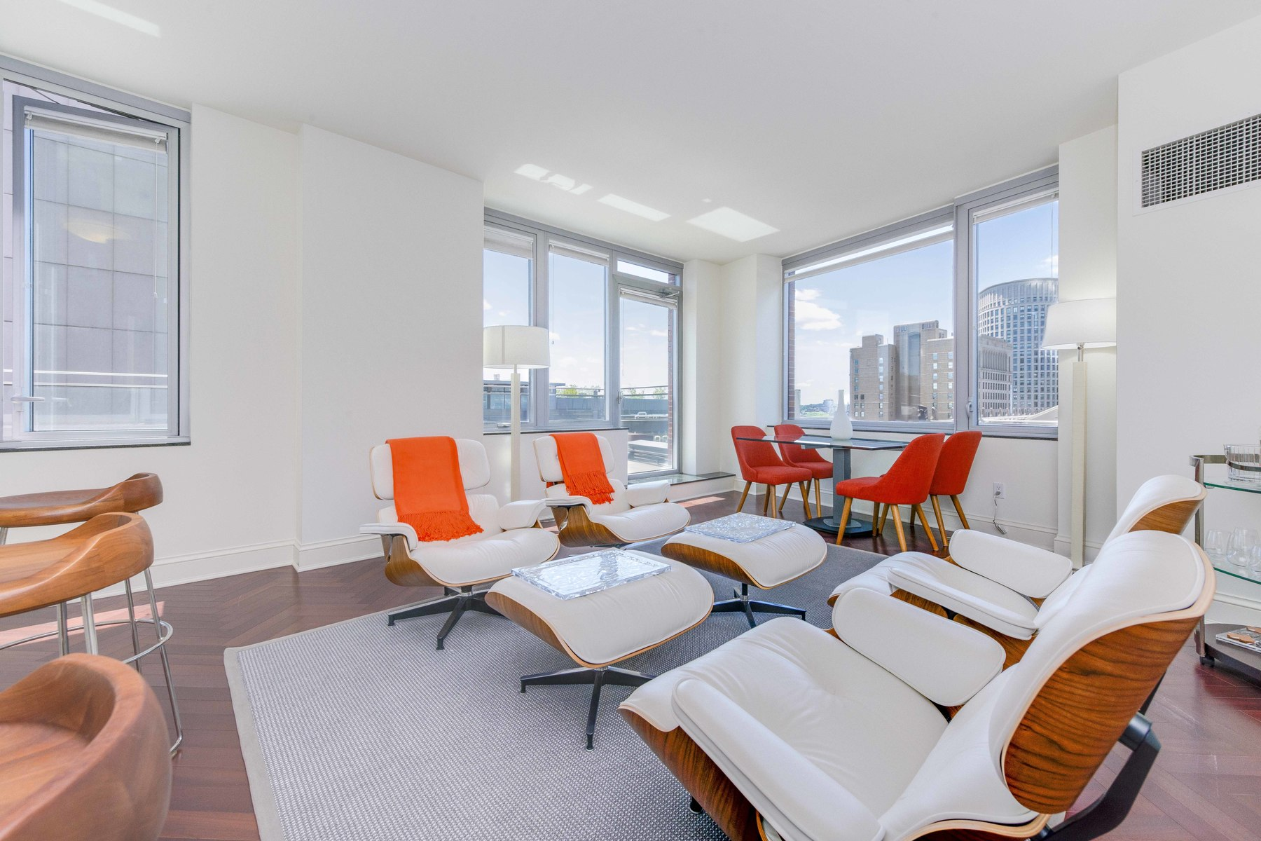 rentals property at Perfectly Laid-Out Two Bedroom Condo in Back Bay