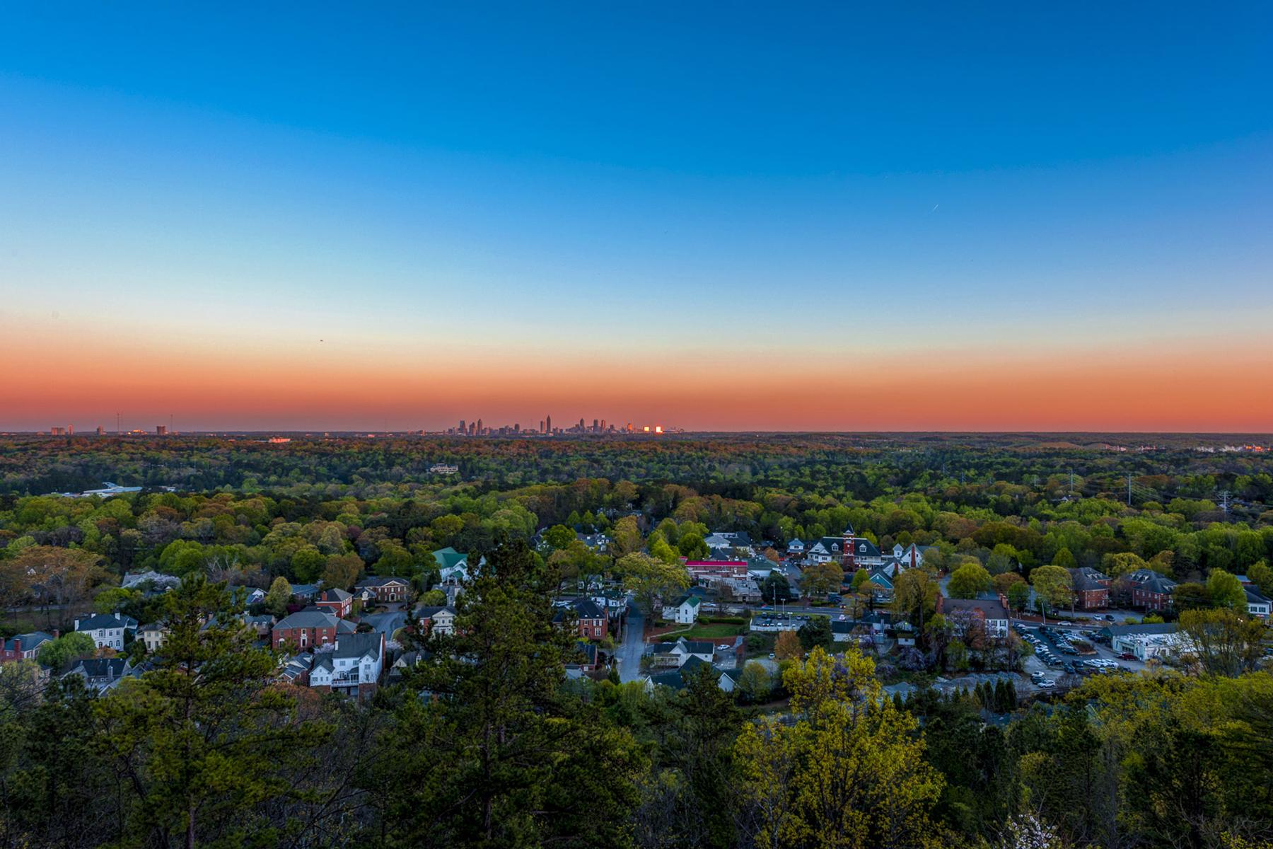 콘도미니엄 용 매매 에 Stunning City Views 2950 Mount Wilkinson Parkway SE #311 Atlanta, 조지아, 30339 미국