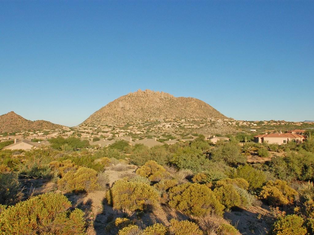 Đất đai vì Bán tại Fantastic Flag Lot 1.83 Acres 24526 N 119th Place #9 Scottsdale, Arizona 85255 Hoa Kỳ
