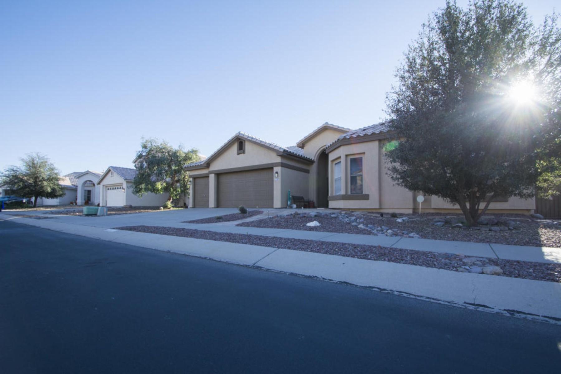 Nhà ở một gia đình vì Bán tại Wonderful Tucson home 6821 W Tombstone Way Tucson, Arizona 85743 Hoa Kỳ