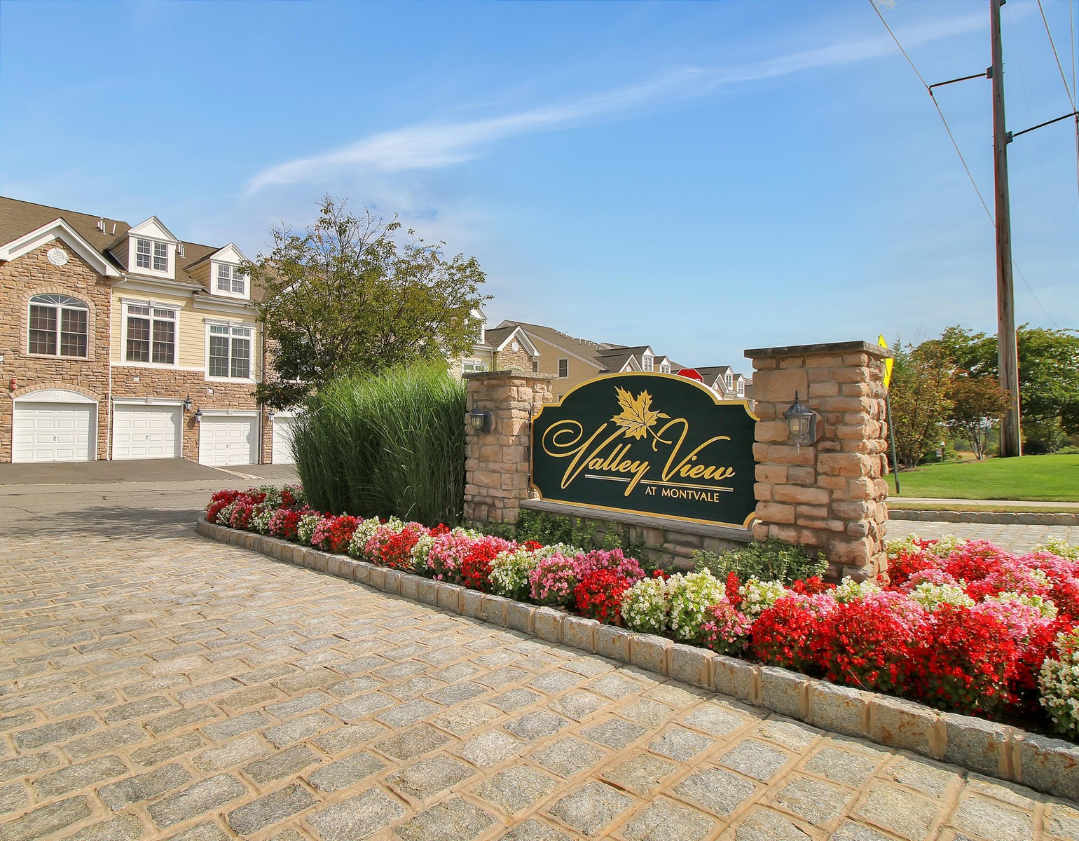 Townhouse for Sale at Tastefully Decorated Townhome. 47A Forshee Circle Valley View at Montvale Montvale, 07645 United States