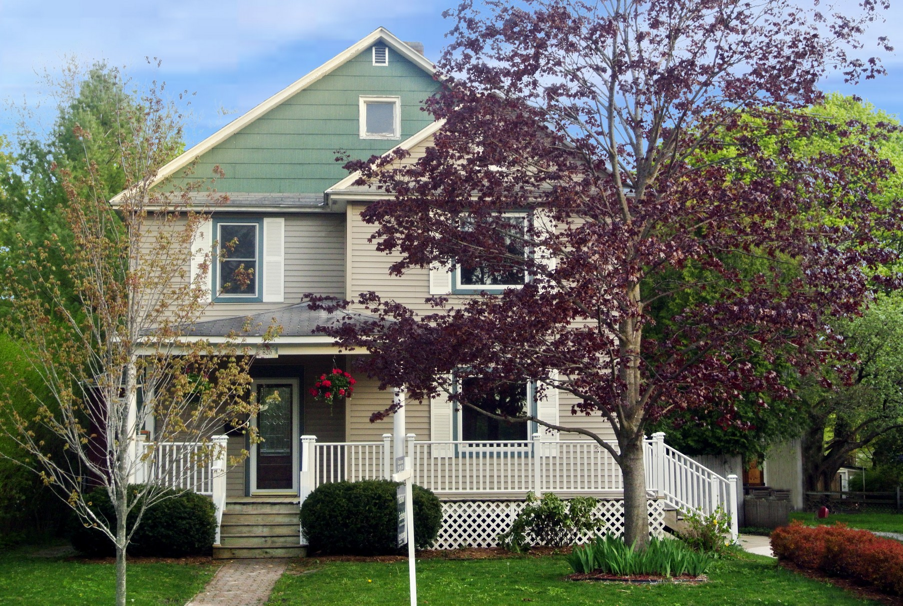 Single Family Home for Sale at 820 Michigan Street Petoskey, Michigan, 49770 United States