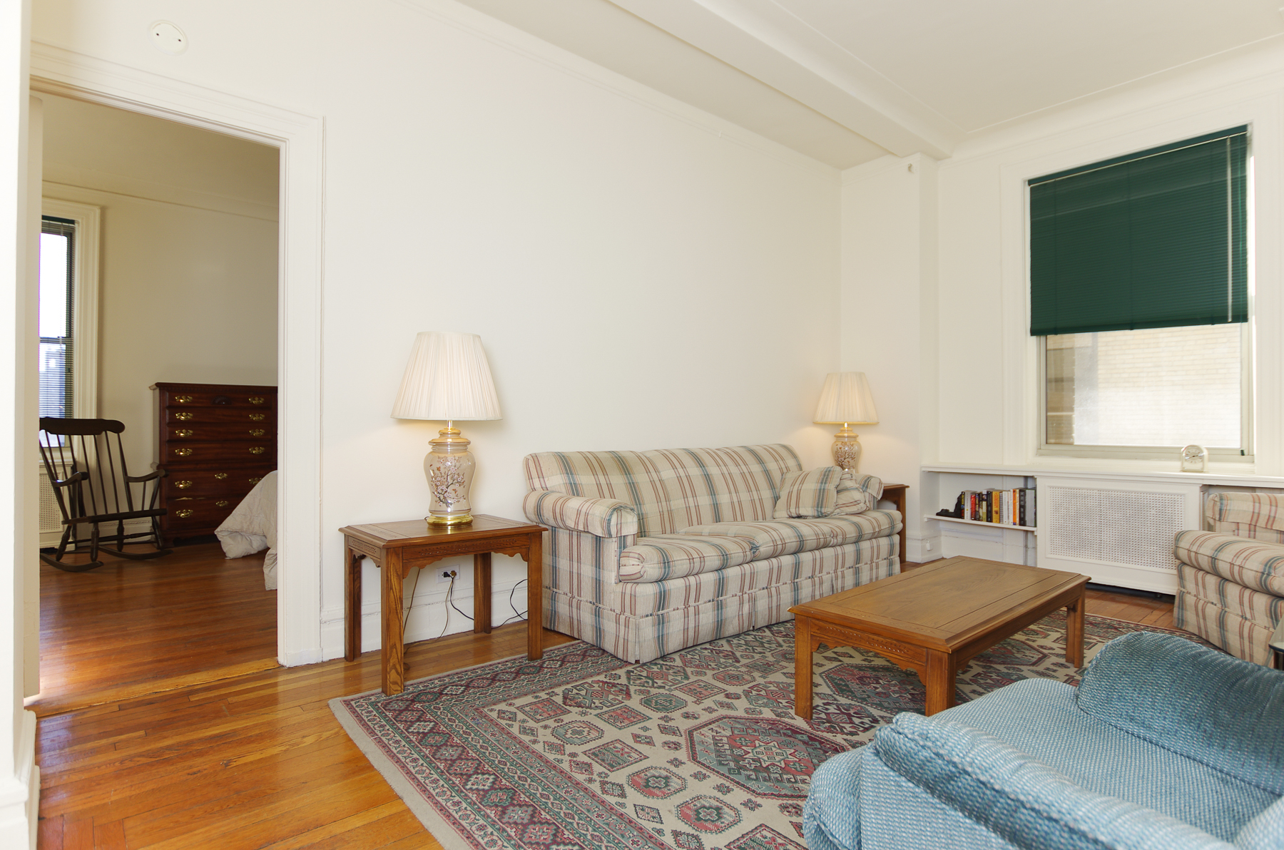 共有公寓 為 出售 在 Light-filled Prewar 1 BR 310 West 86 Street 7C Upper West Side, New York, 紐約州, 10024 美國