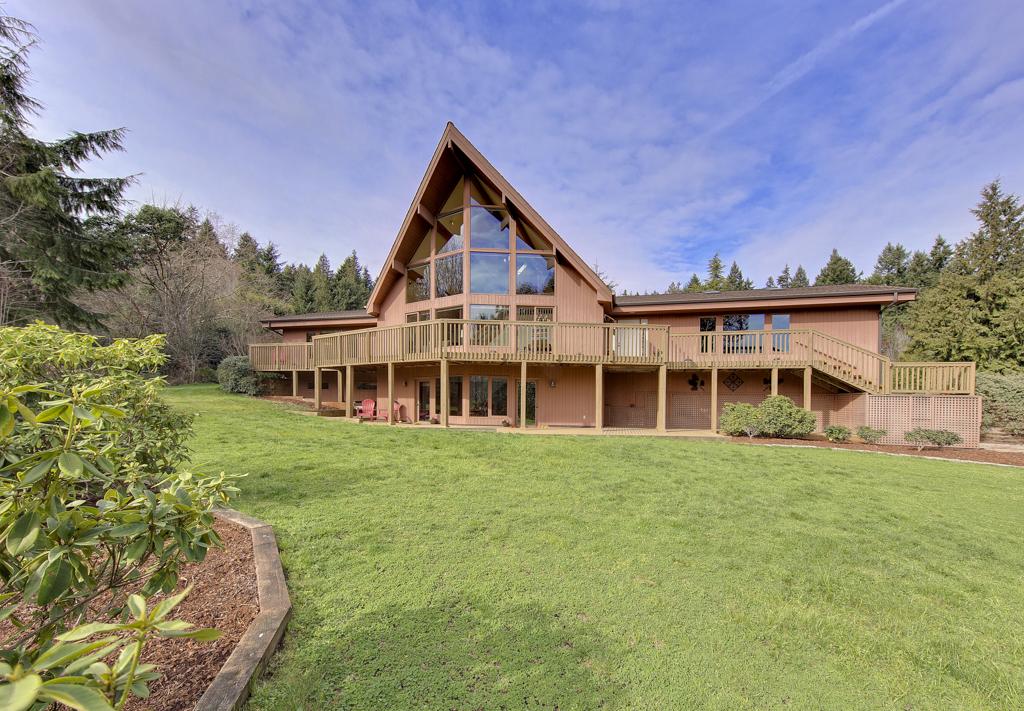 Single Family Home for Sale at Tangleberry Lane 4675 Tangleberry Lane NE Bainbridge Island, Washington 98110 United States