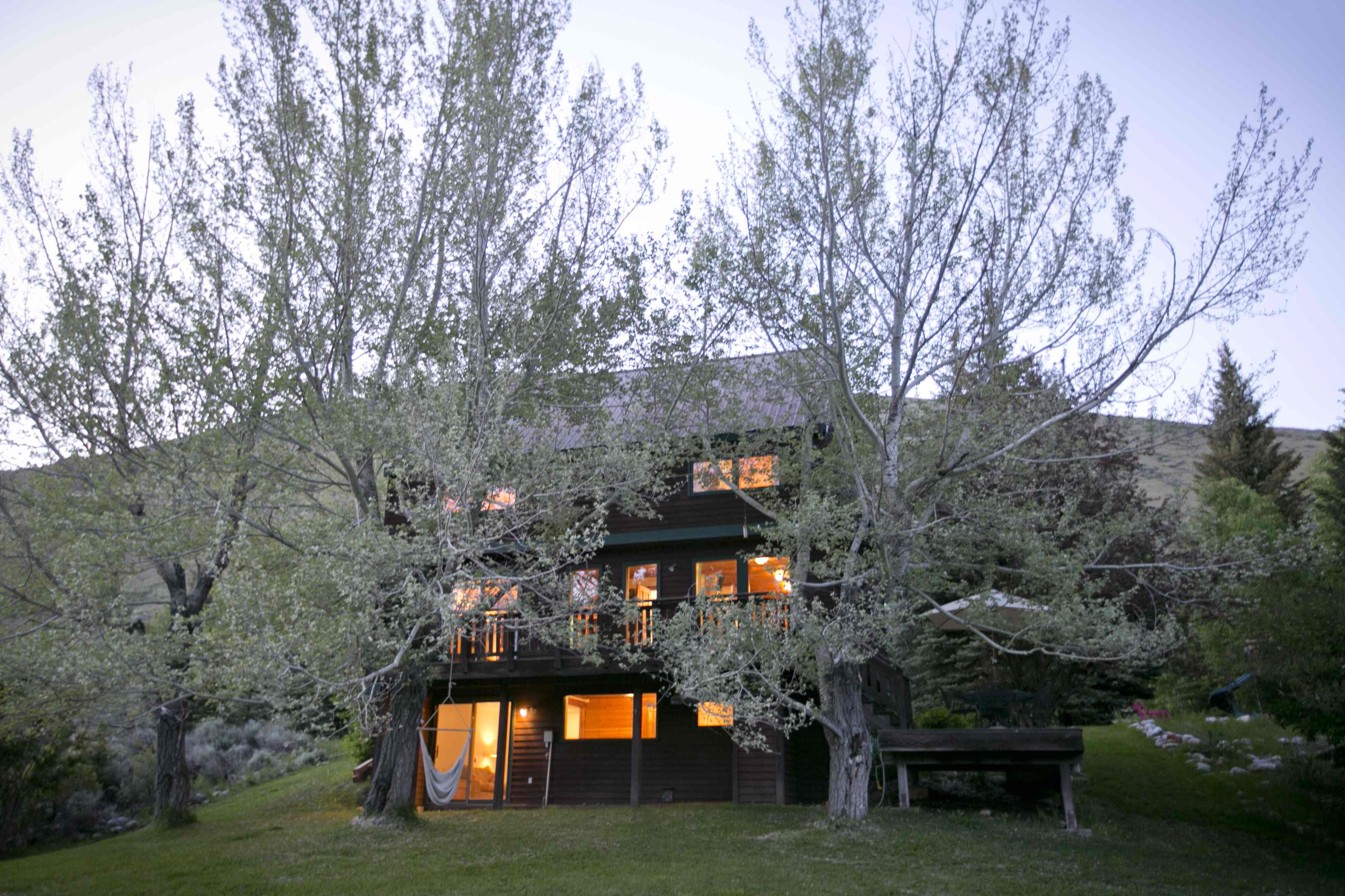 Vivienda unifamiliar por un Venta en Charming East Fork Home 62 East Fork Road Mid Valley, Hailey, Idaho 83333 Estados Unidos