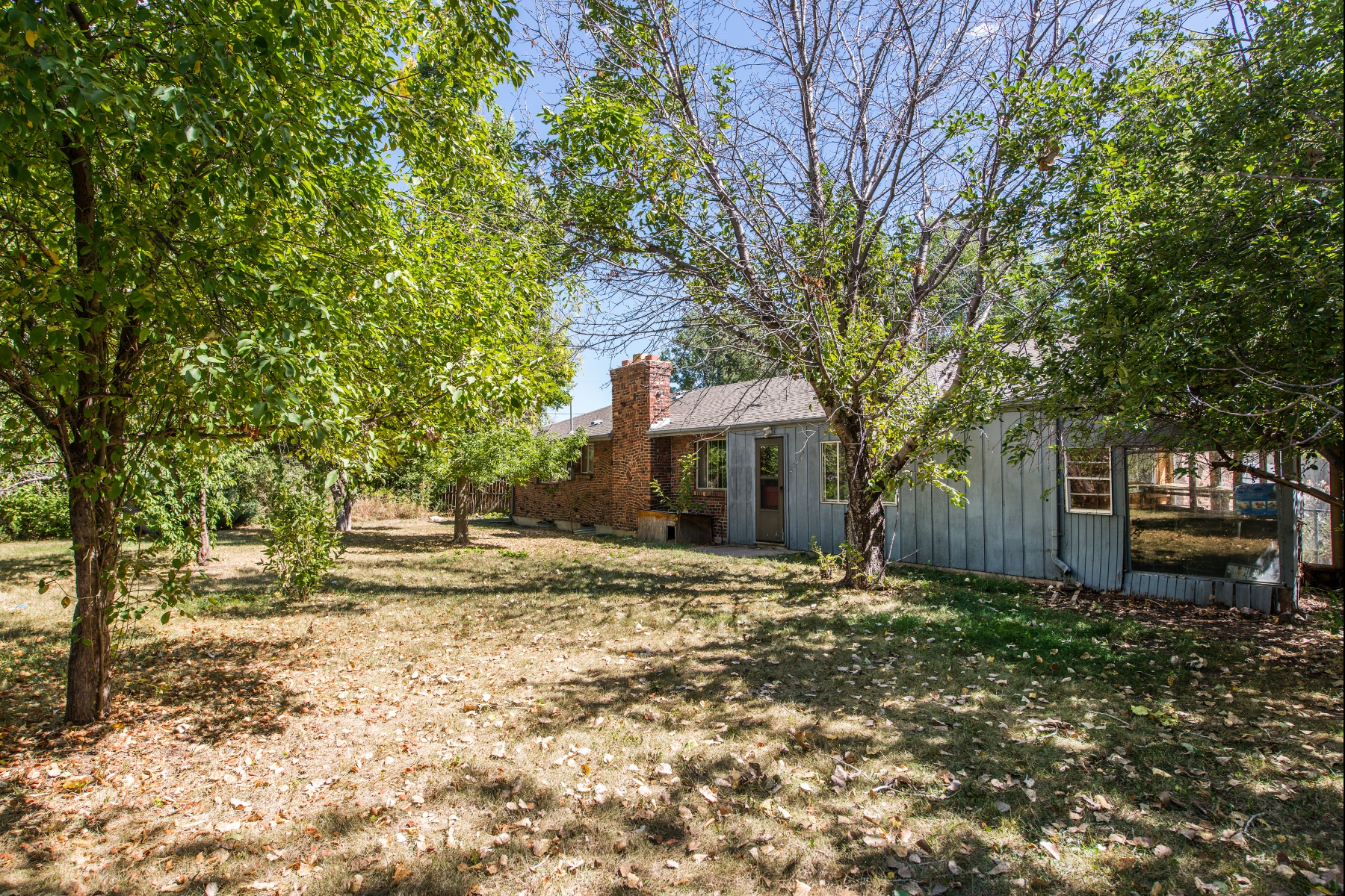 Single Family Home for Sale at Great neighborhood, huge potential for investor! 6095 South Marshall Drive Littleton, Colorado 80123 United States