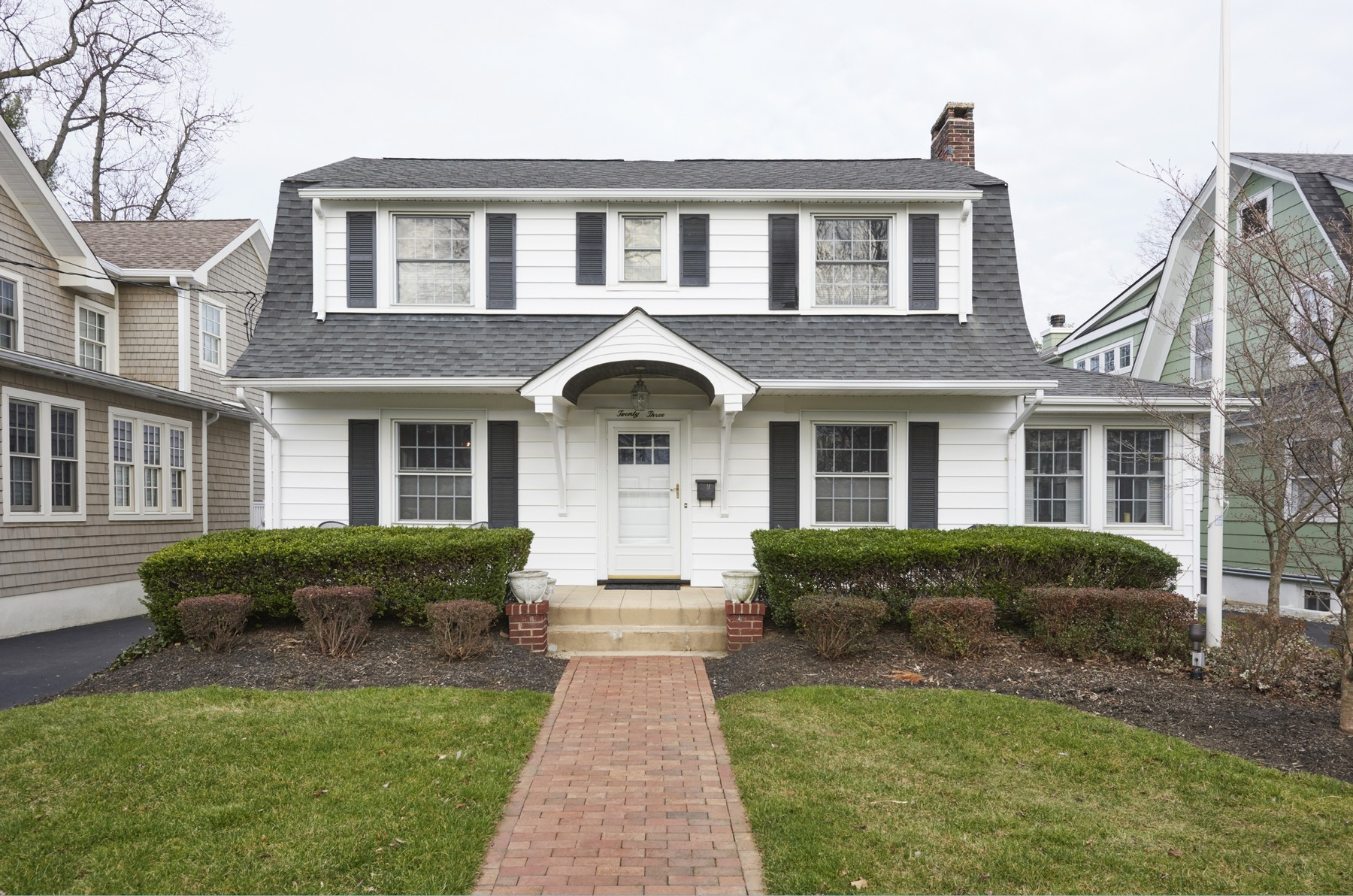 Single Family Home for Sale at Style and Function 23 Buena Place Red Bank, New Jersey 07701 United States