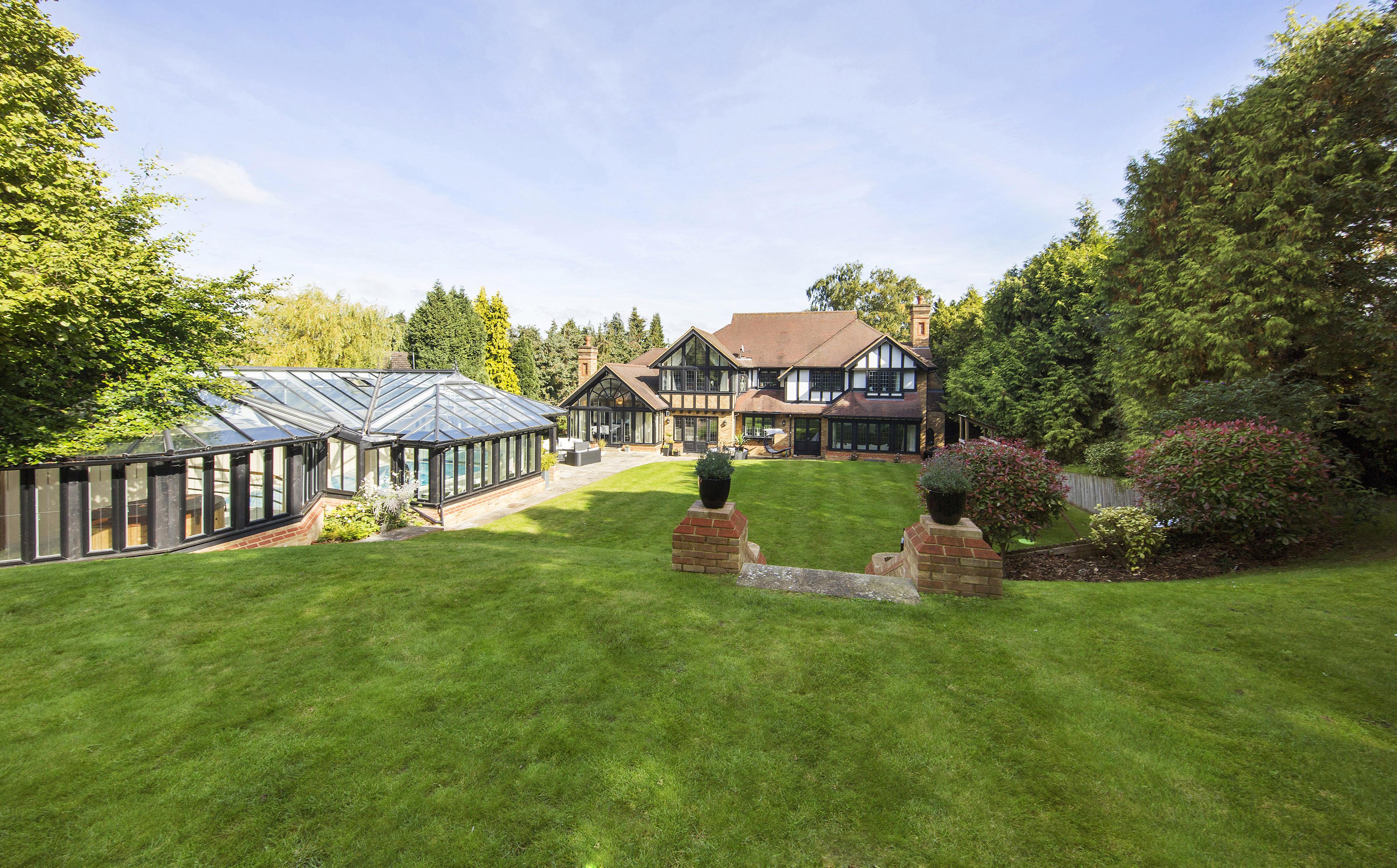 Single Family Home for Sale at Ashtead Other England, England KT211BU United Kingdom