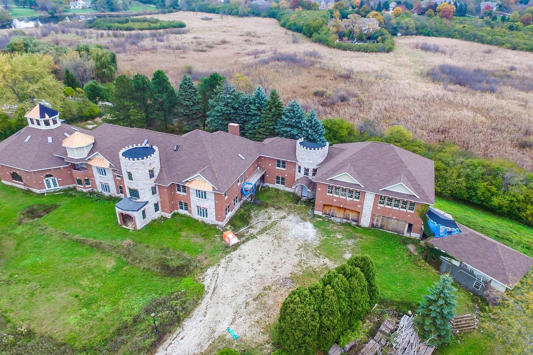 단독 가정 주택 용 매매 에 Eight Bedroom Stunning Barrington Estate 24575 N Illinois Route 59 Road Barrington, 일리노이즈, 60010 미국