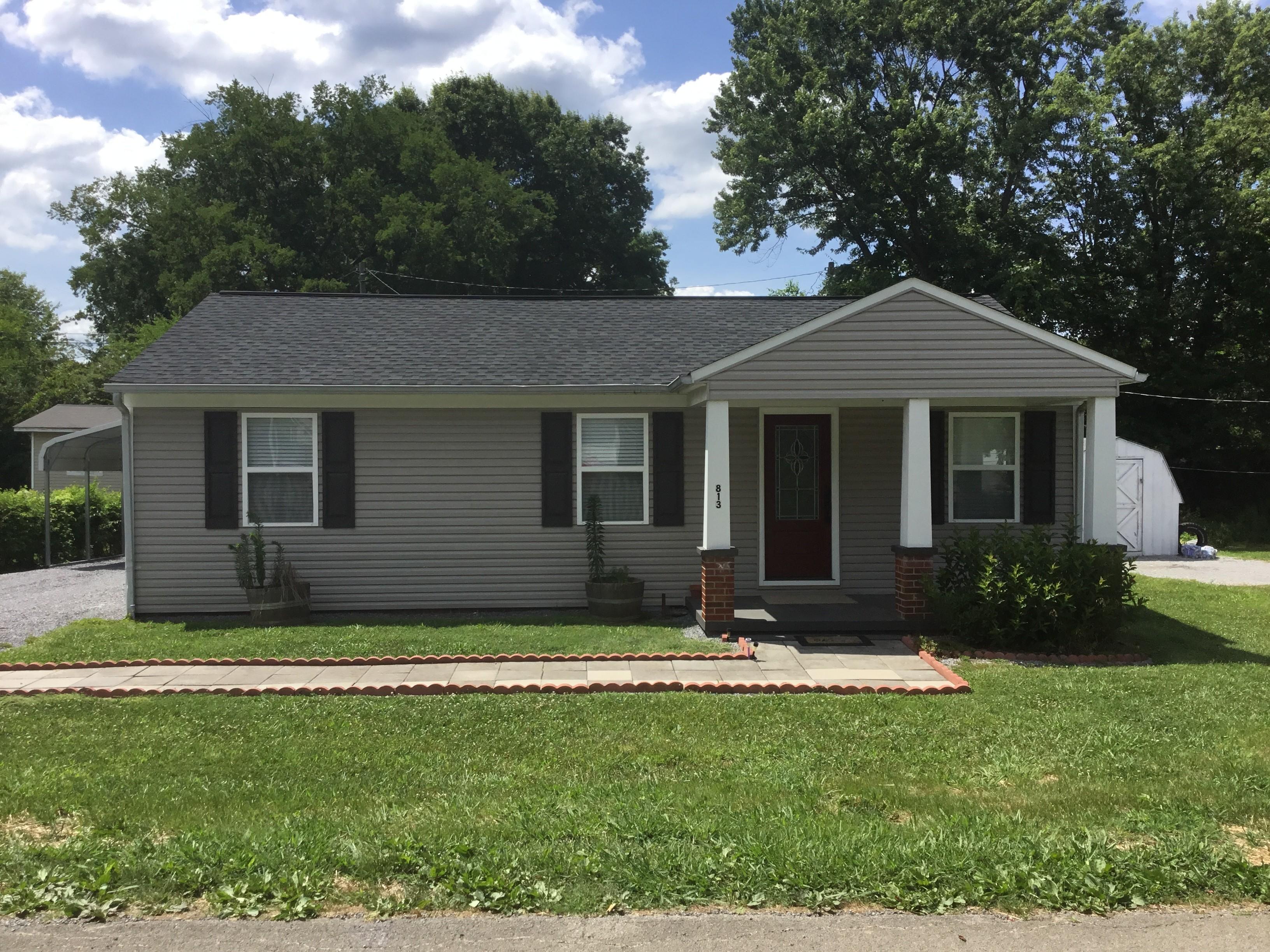Casa para uma família para Venda às Charming, Updated Home 813 Gilbert Avenue Maryville, Tennessee, 37804 Estados Unidos
